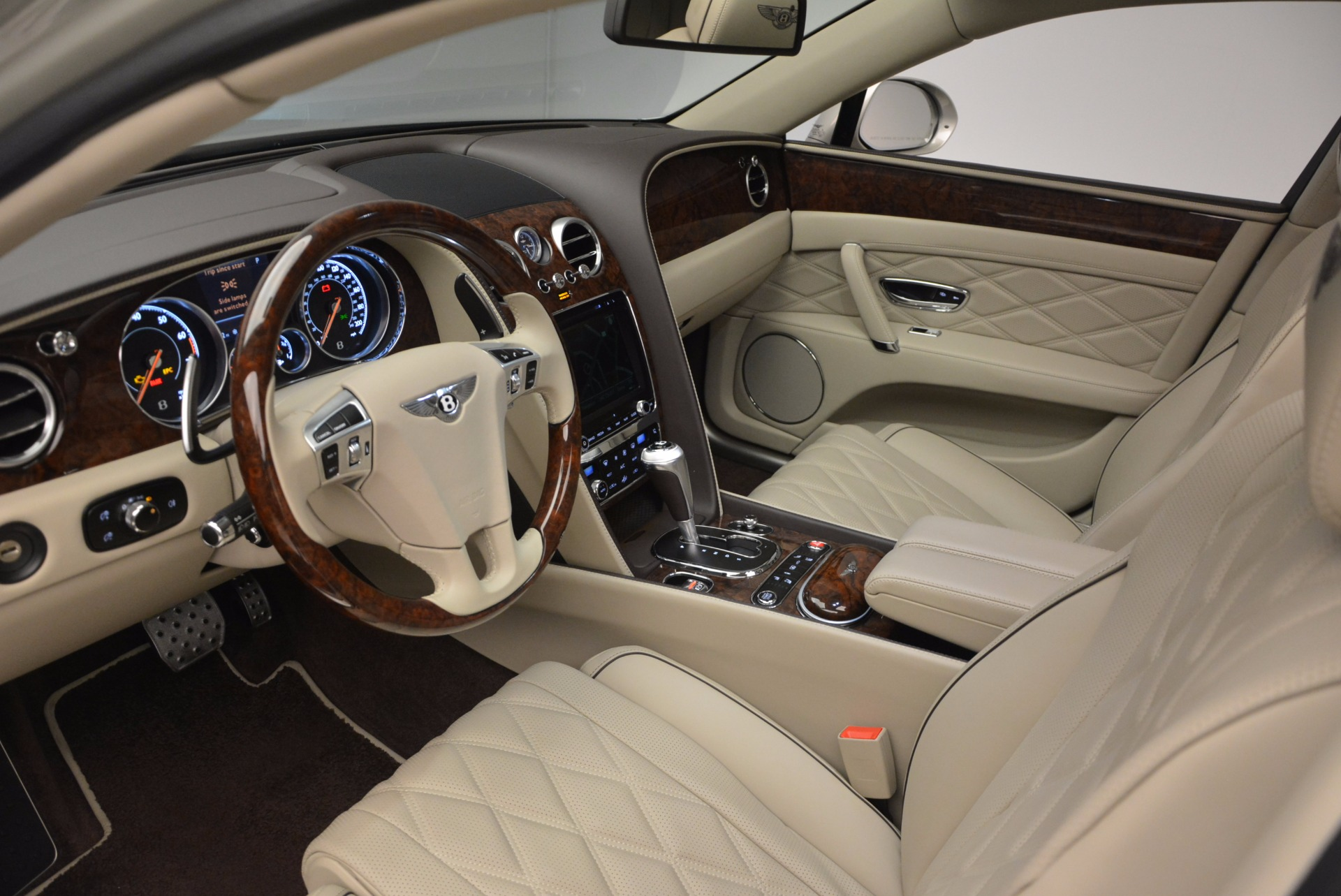 Used 2016 Bentley Flying Spur W12  For Sale In Greenwich, CT. Alfa Romeo of Greenwich, B1165A 804_p31