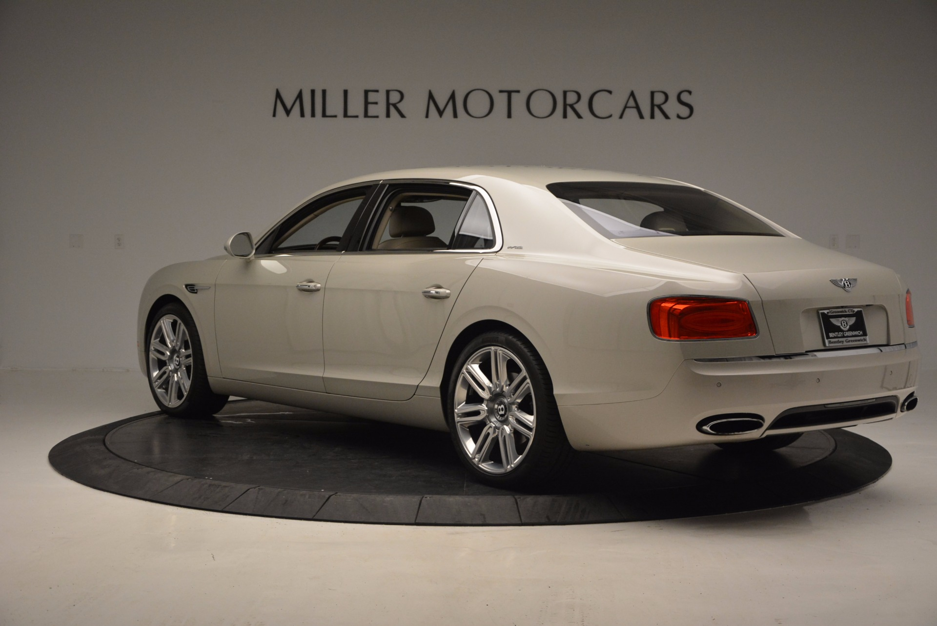 Used 2016 Bentley Flying Spur W12  For Sale In Greenwich, CT. Alfa Romeo of Greenwich, B1165A 804_p5