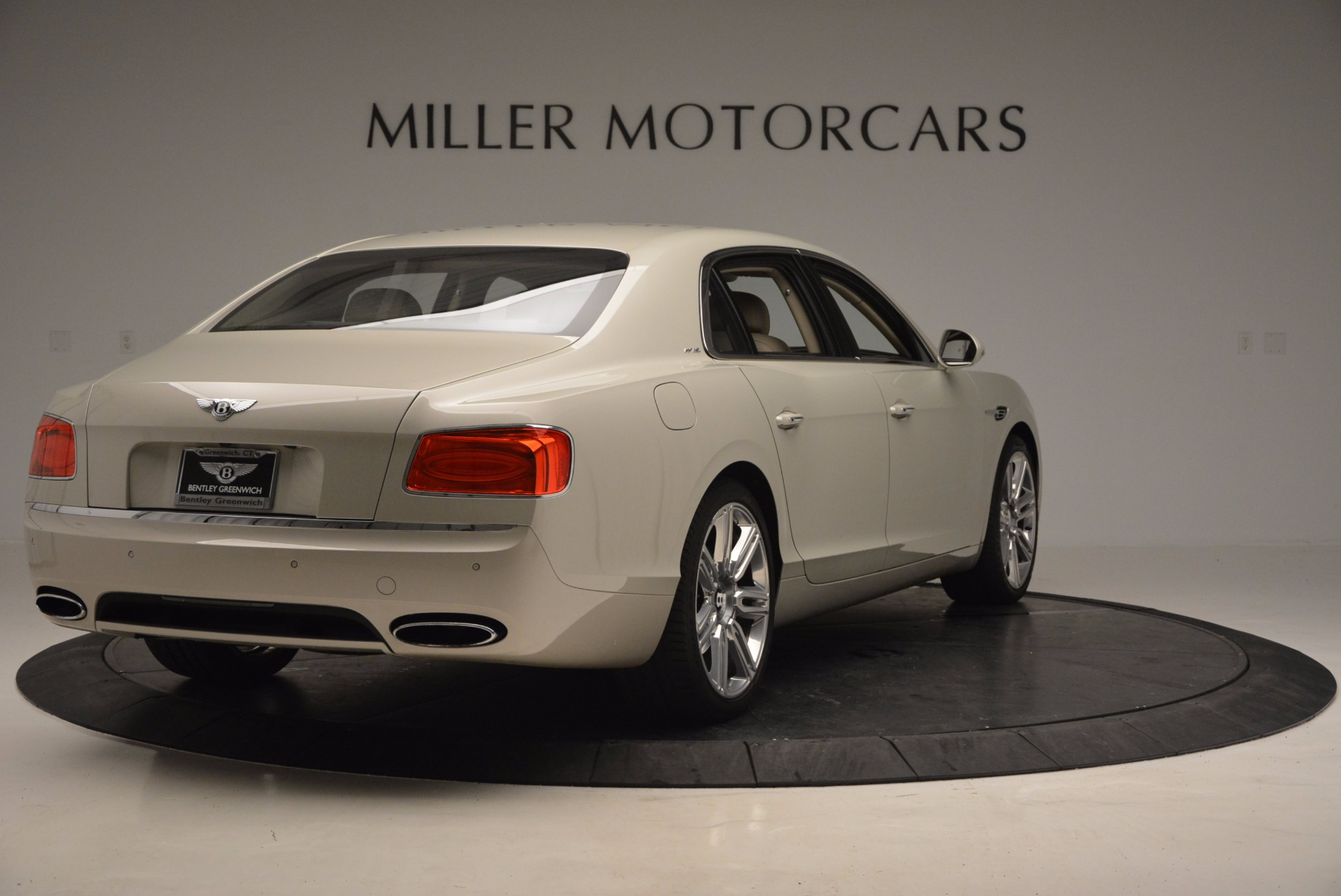 Used 2016 Bentley Flying Spur W12  For Sale In Greenwich, CT. Alfa Romeo of Greenwich, B1165A 804_p7