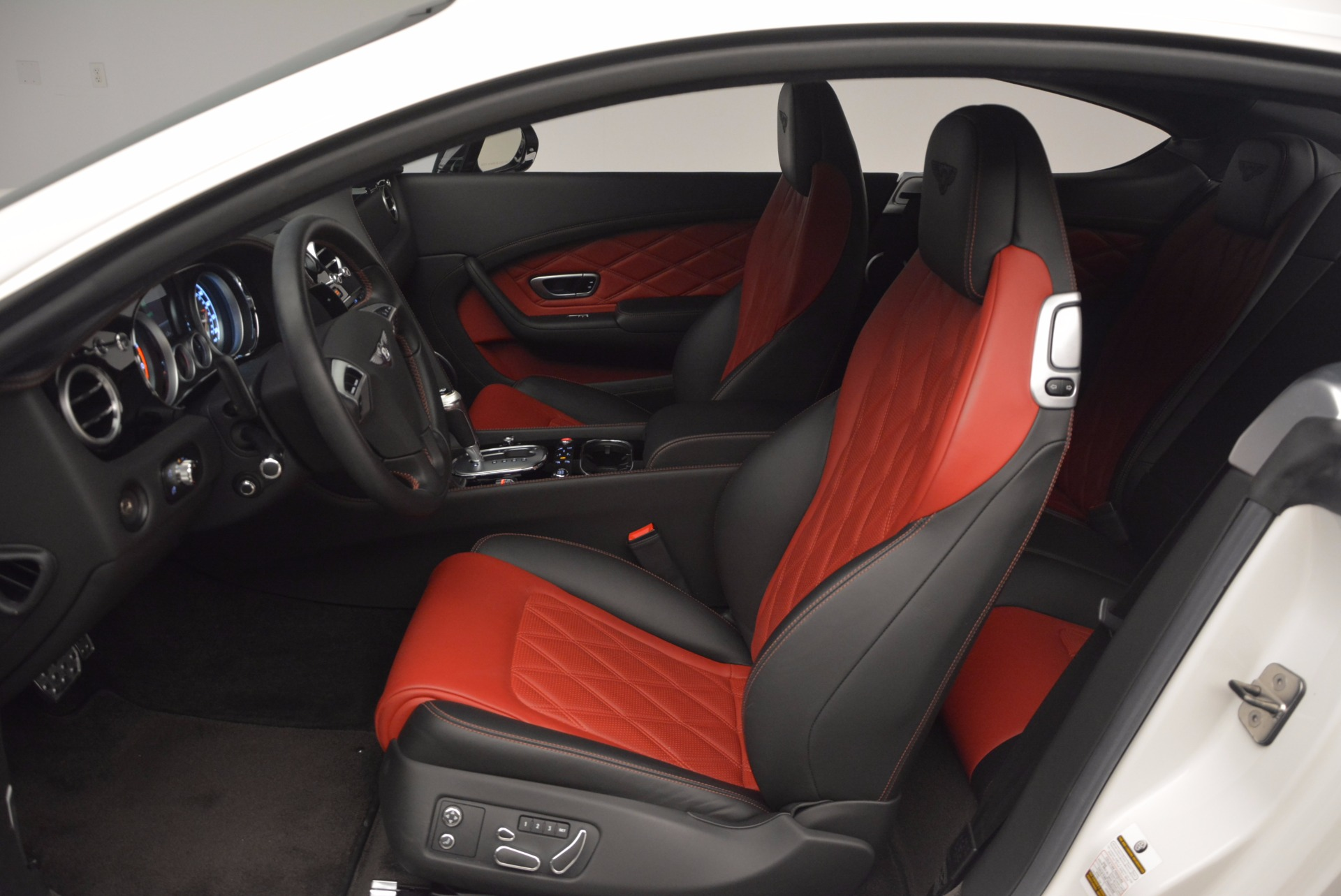 Used 2014 Bentley Continental GT V8 S For Sale In Greenwich, CT. Alfa Romeo of Greenwich, 7135 806_p26