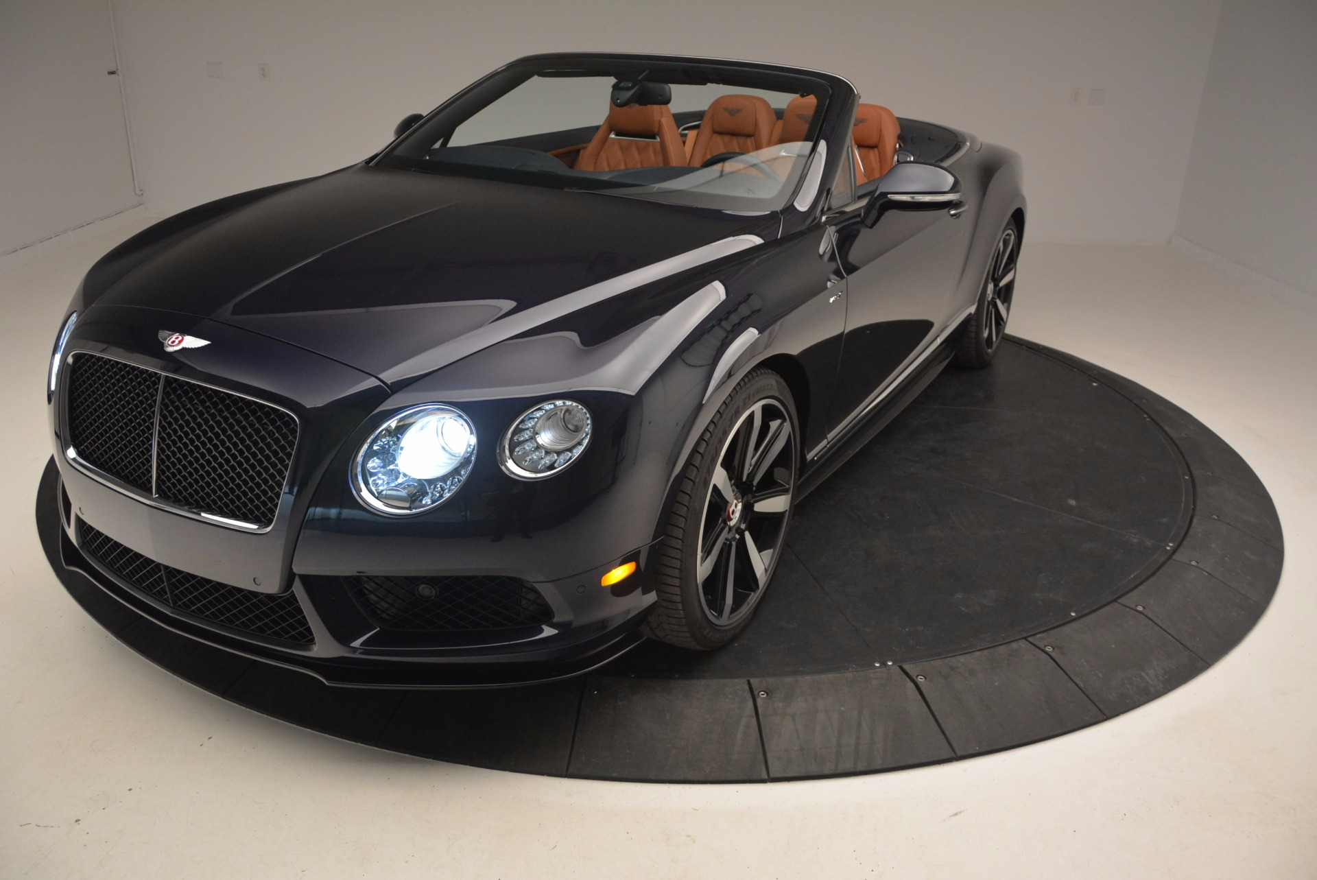 Used 2015 Bentley Continental GT V8 S For Sale In Greenwich, CT. Alfa Romeo of Greenwich, 7136 807_p25