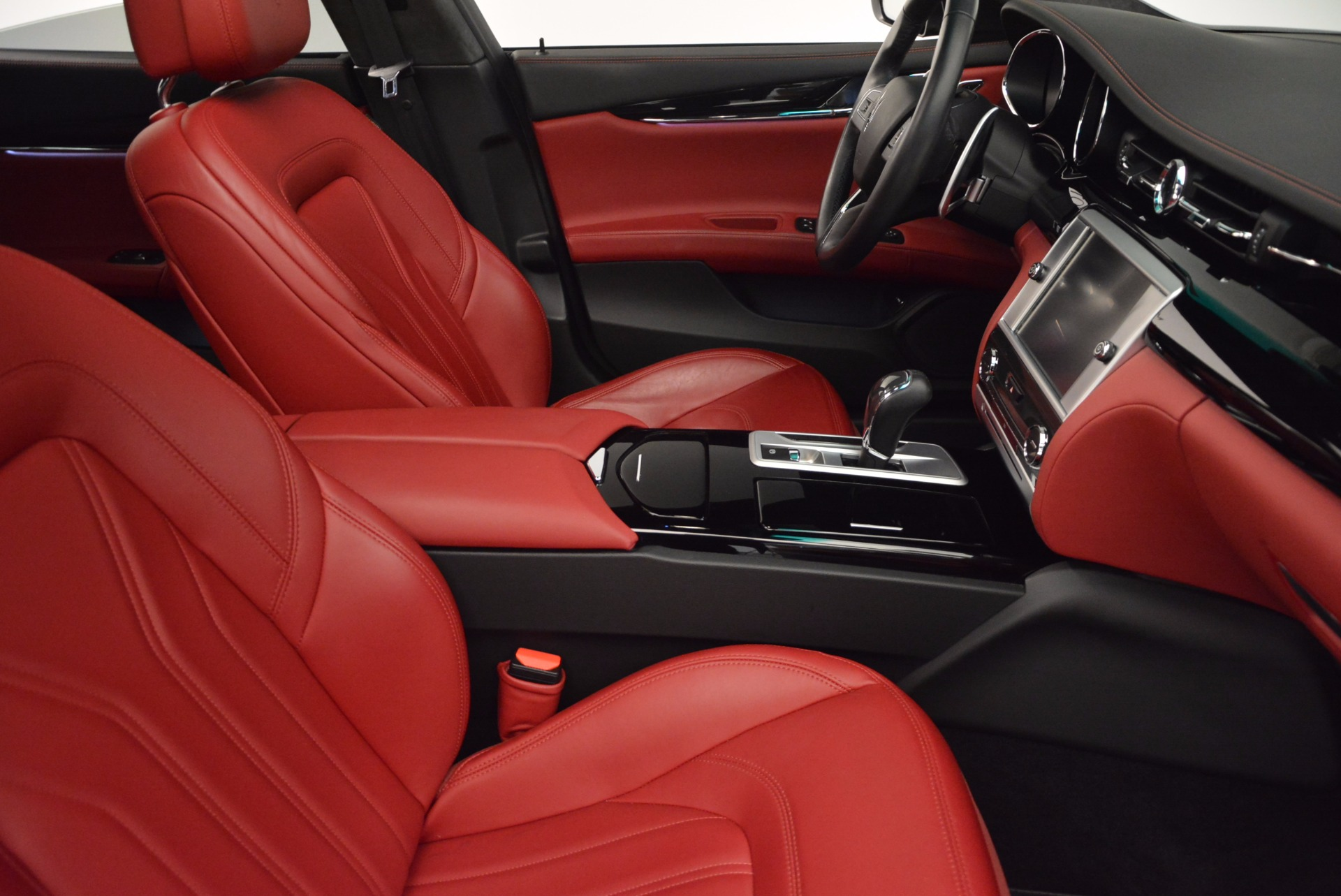 Used 2015 Maserati Quattroporte S Q4 For Sale In Greenwich, CT. Alfa Romeo of Greenwich, M1458A 809_p21