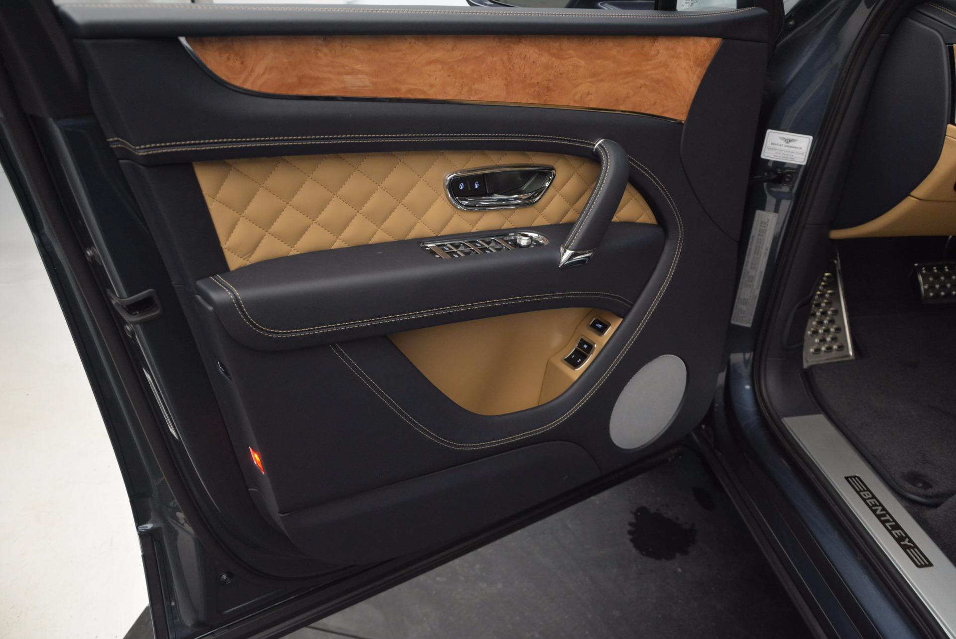 New 2017 Bentley Bentayga  For Sale In Greenwich, CT. Alfa Romeo of Greenwich, B1214 810_p23