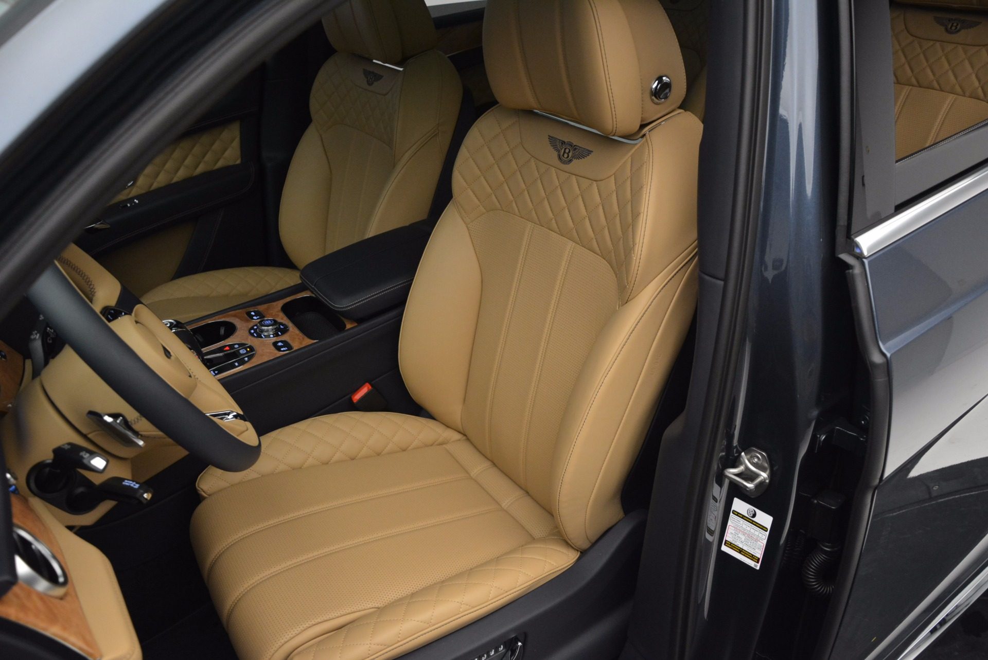 New 2017 Bentley Bentayga  For Sale In Greenwich, CT. Alfa Romeo of Greenwich, B1214 810_p24