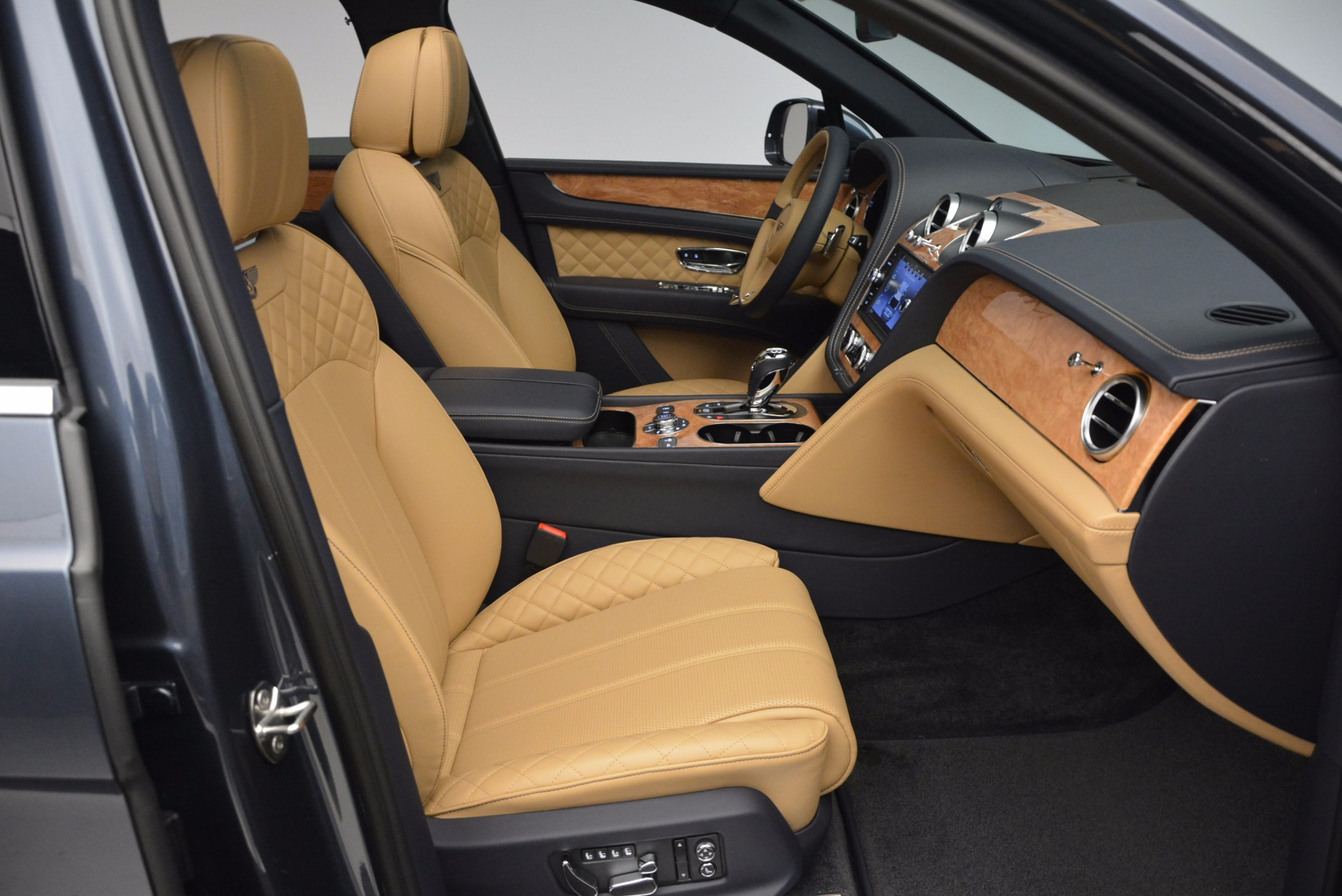 New 2017 Bentley Bentayga  For Sale In Greenwich, CT. Alfa Romeo of Greenwich, B1214 810_p40