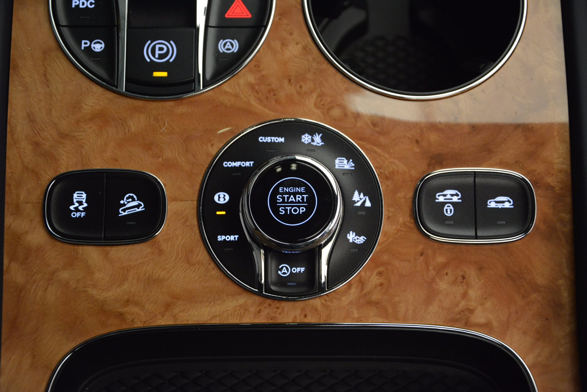 New 2017 Bentley Bentayga  For Sale In Greenwich, CT. Alfa Romeo of Greenwich, B1214 810_p47