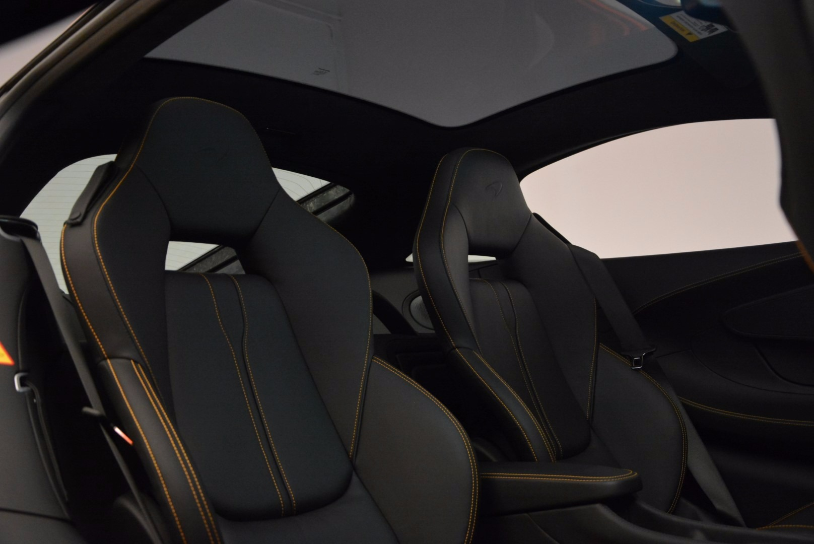 New 2017 McLaren 570GT  For Sale In Greenwich, CT. Alfa Romeo of Greenwich, MC283 833_p19