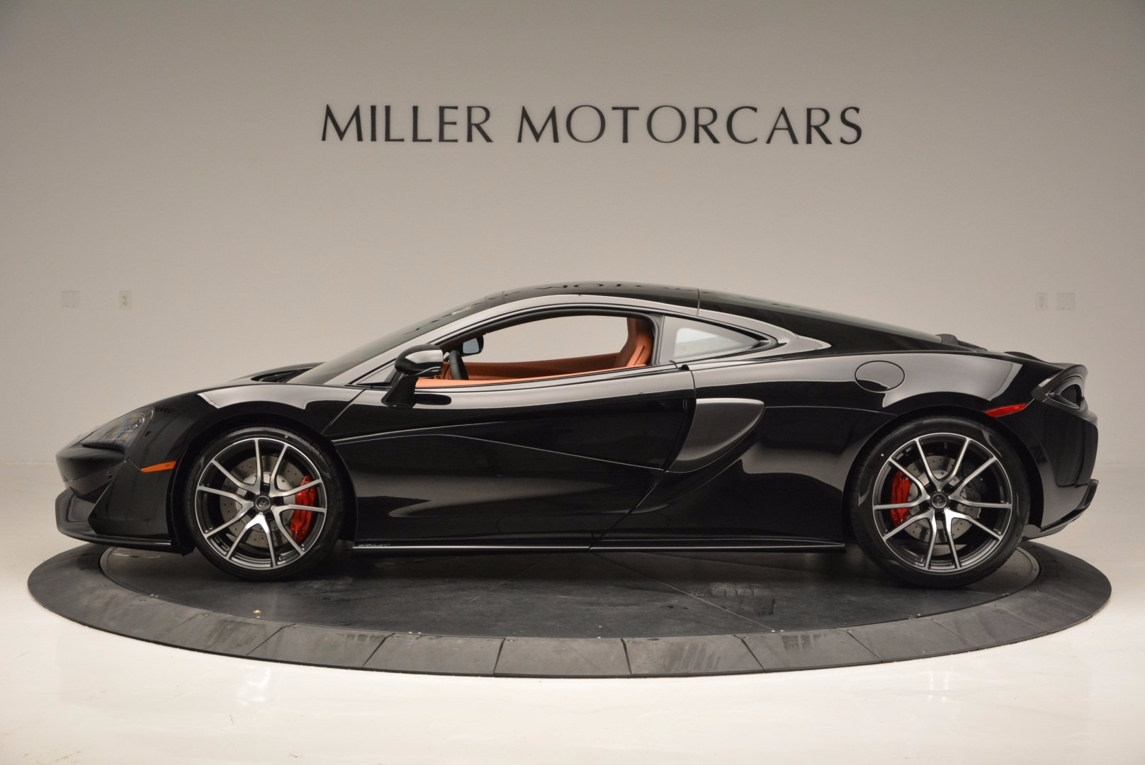 Used 2017 McLaren 570GT  For Sale In Greenwich, CT. Alfa Romeo of Greenwich, MC263 836_p3