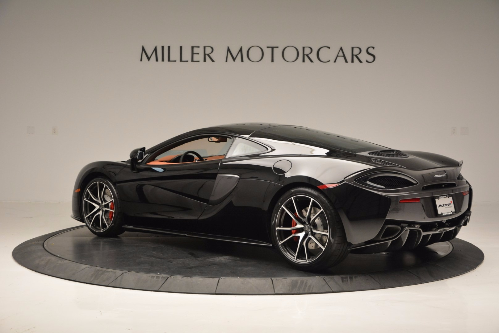 Used 2017 McLaren 570GT  For Sale In Greenwich, CT. Alfa Romeo of Greenwich, MC263 836_p4