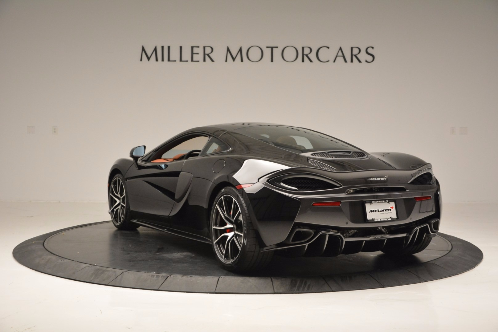 Used 2017 McLaren 570GT  For Sale In Greenwich, CT. Alfa Romeo of Greenwich, MC263 836_p5