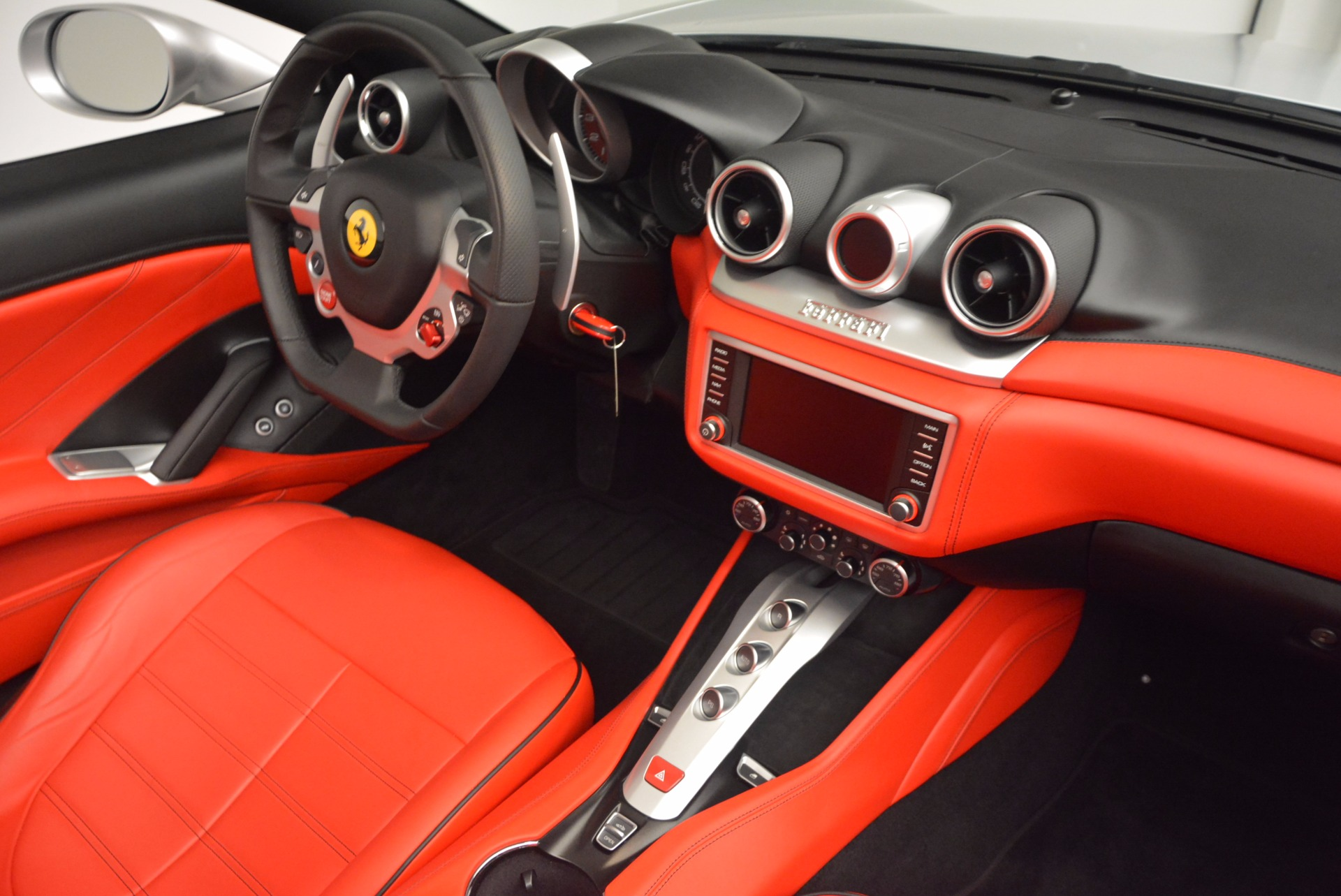 Used 2016 Ferrari California T  For Sale In Greenwich, CT. Alfa Romeo of Greenwich, 4367 841_p27