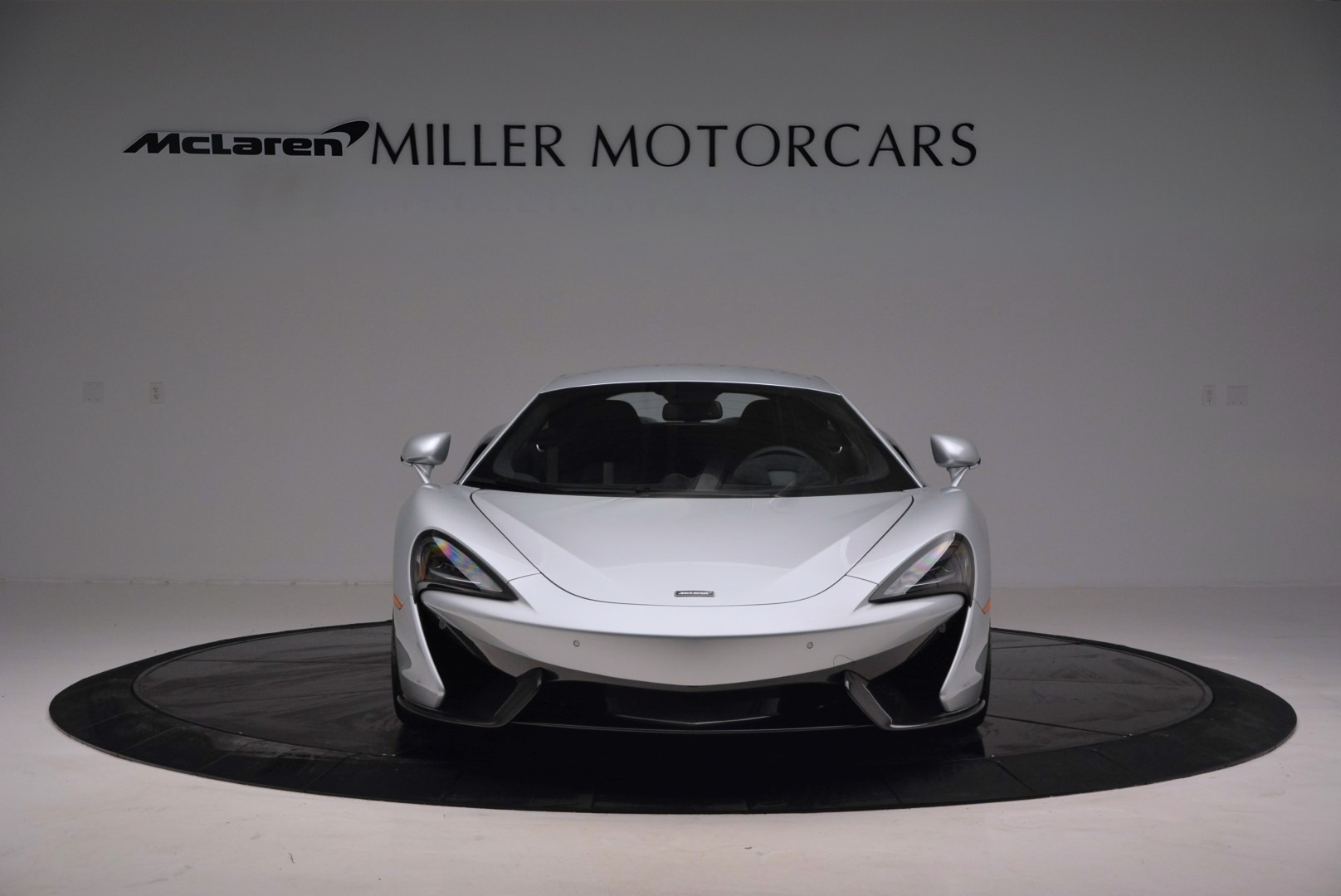 Used 2017 McLaren 570S  For Sale In Greenwich, CT. Alfa Romeo of Greenwich, MC286 842_p12