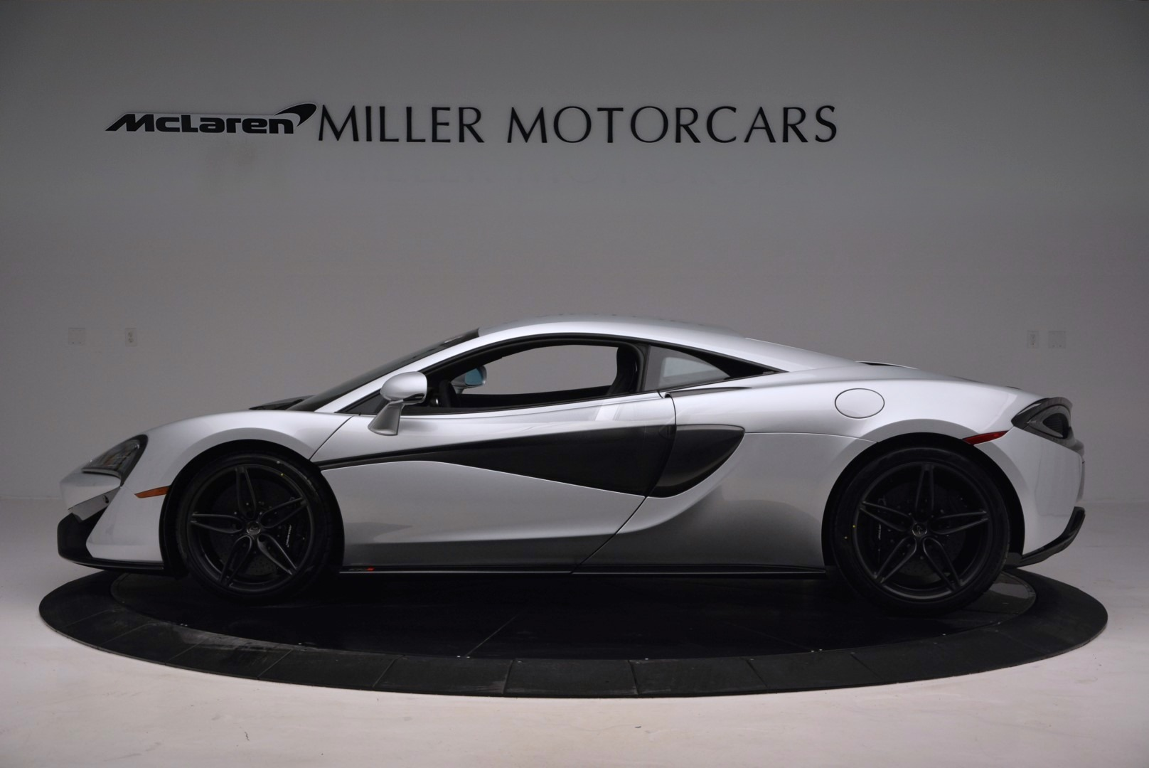 Used 2017 McLaren 570S  For Sale In Greenwich, CT. Alfa Romeo of Greenwich, MC286 842_p3