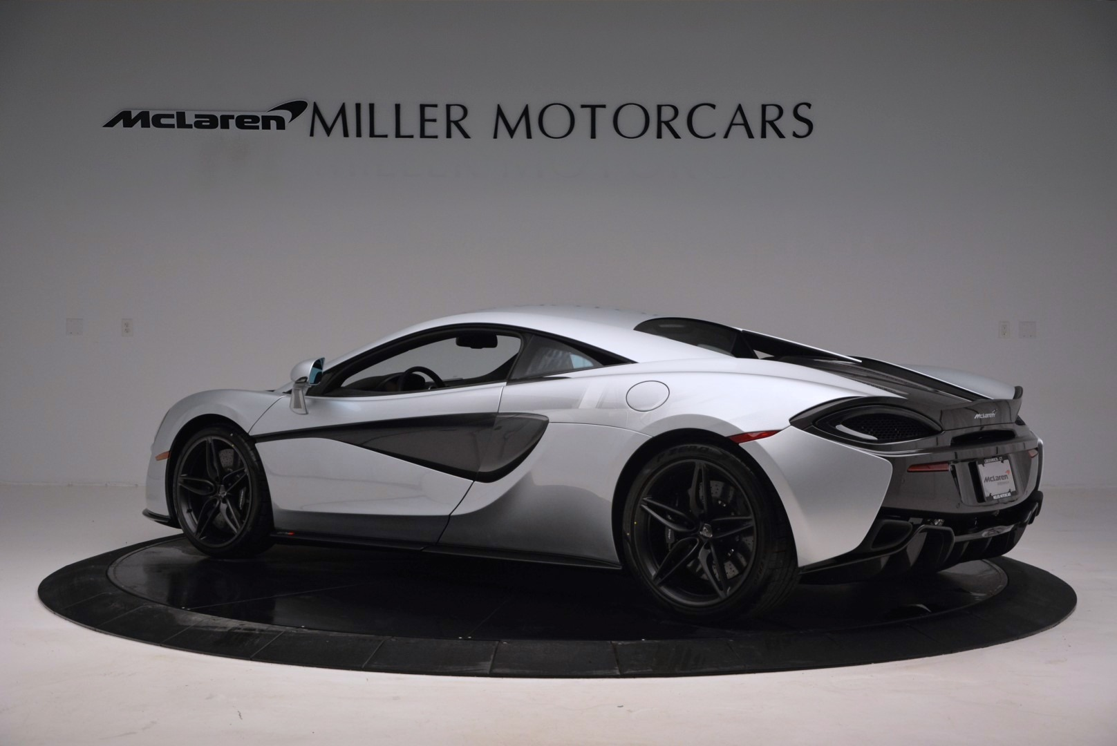 Used 2017 McLaren 570S  For Sale In Greenwich, CT. Alfa Romeo of Greenwich, MC286 842_p4