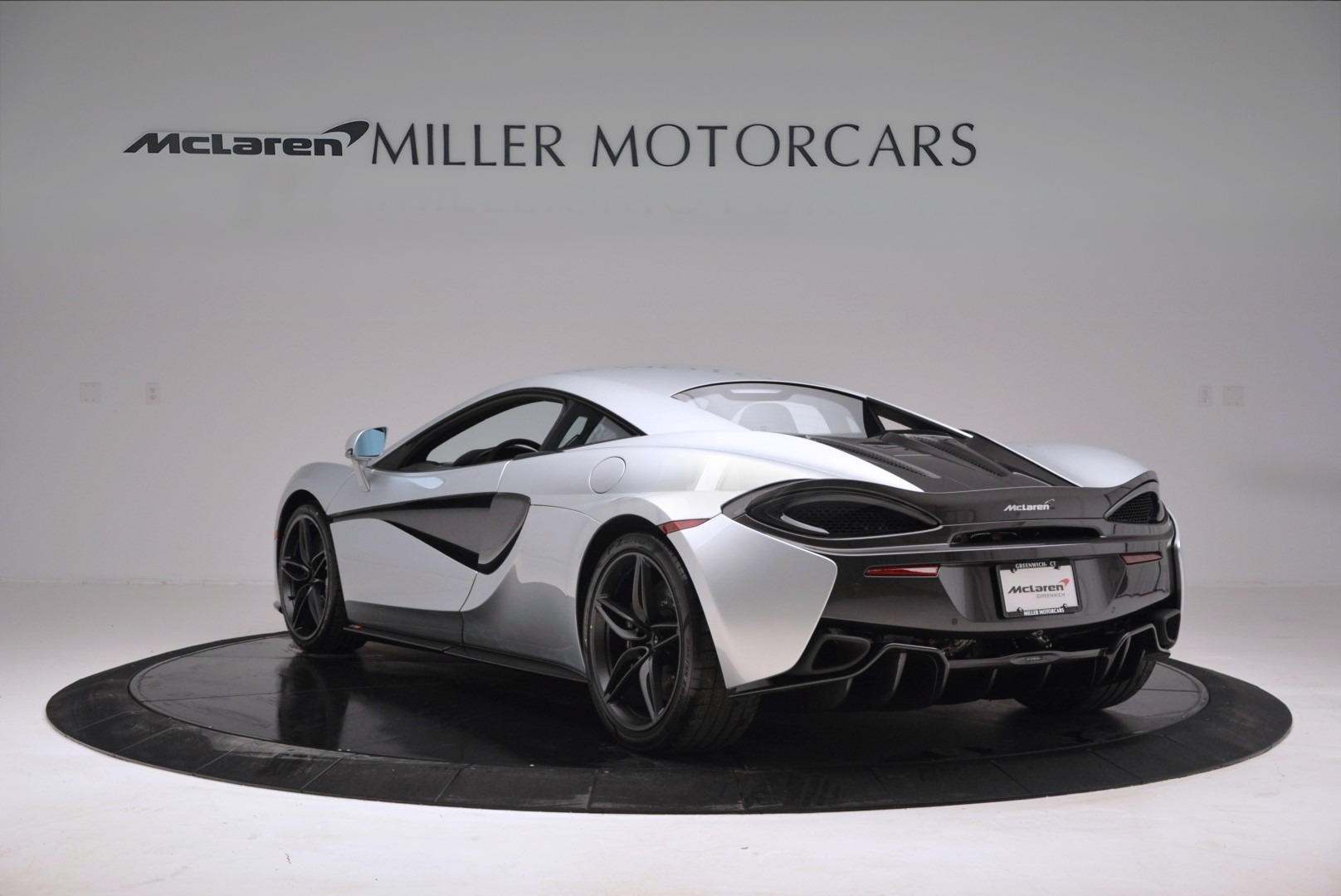Used 2017 McLaren 570S  For Sale In Greenwich, CT. Alfa Romeo of Greenwich, MC286 842_p5
