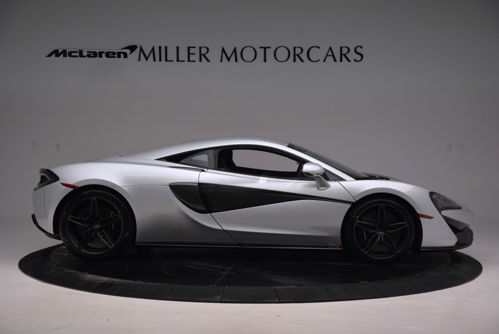Used 2017 McLaren 570S  For Sale In Greenwich, CT. Alfa Romeo of Greenwich, MC286 842_p9