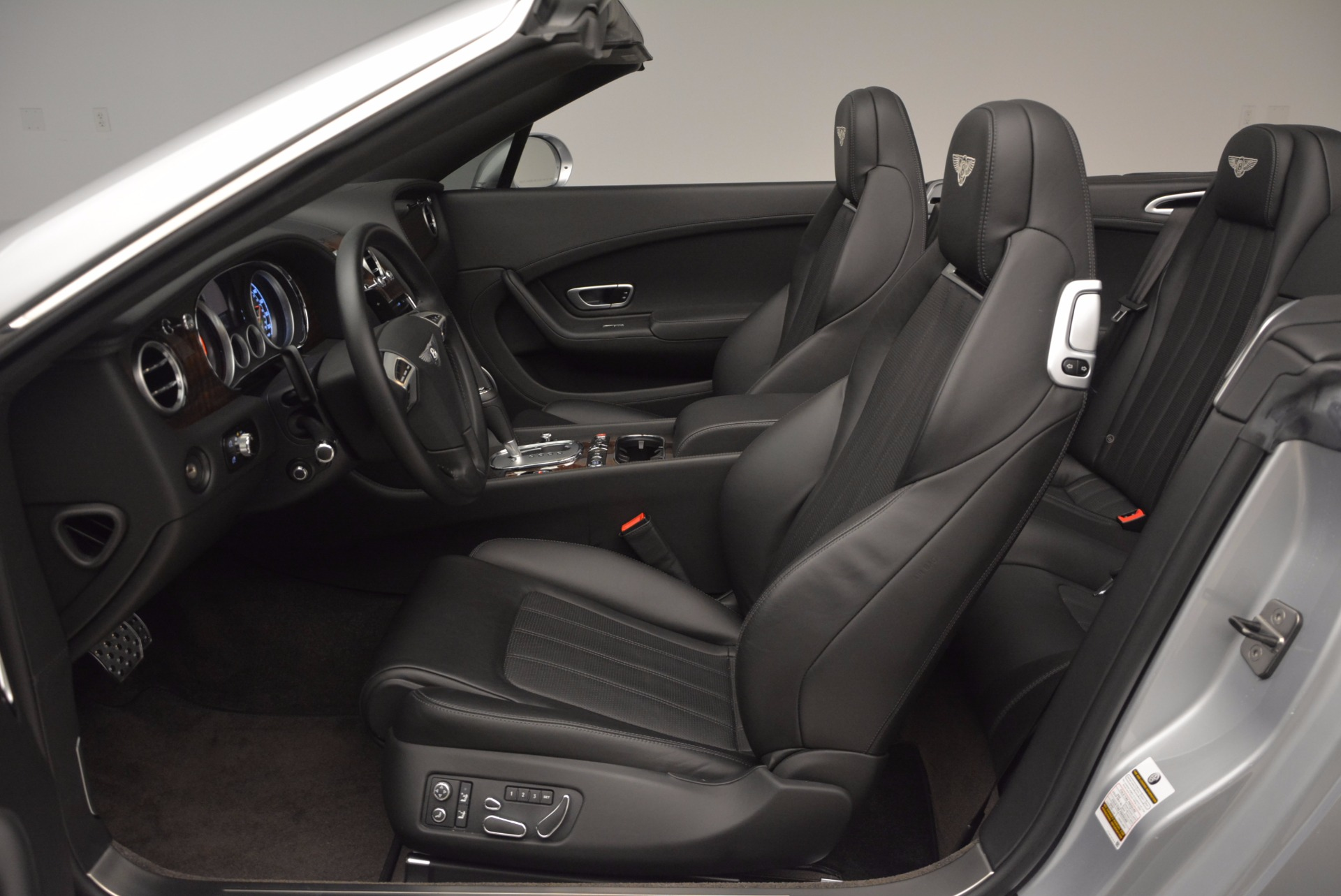 Used 2013 Bentley Continental GT V8 For Sale In Greenwich, CT. Alfa Romeo of Greenwich, B1225A 844_p36