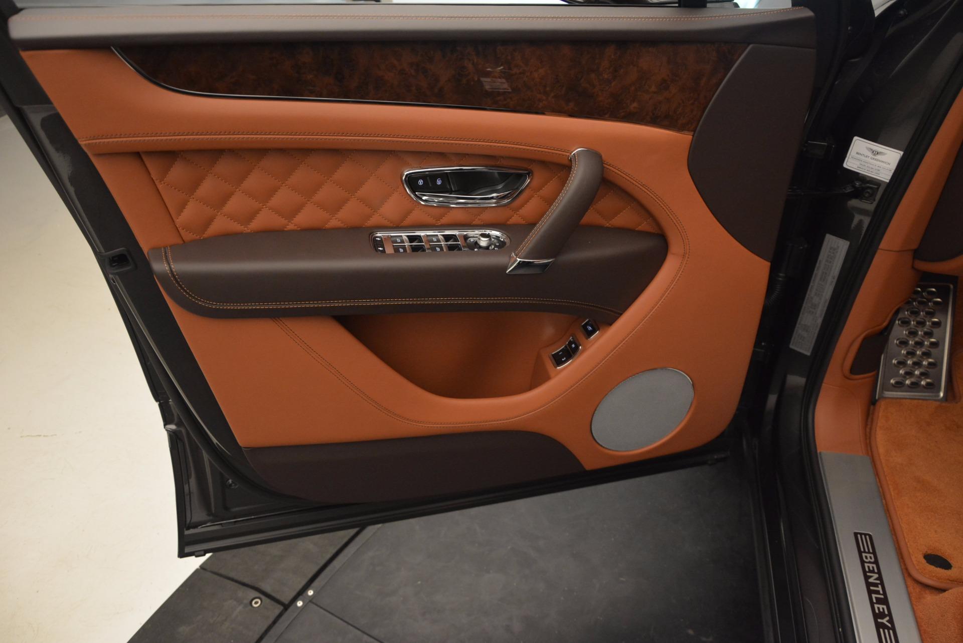 New 2017 Bentley Bentayga  For Sale In Greenwich, CT. Alfa Romeo of Greenwich, B1219 852_p22