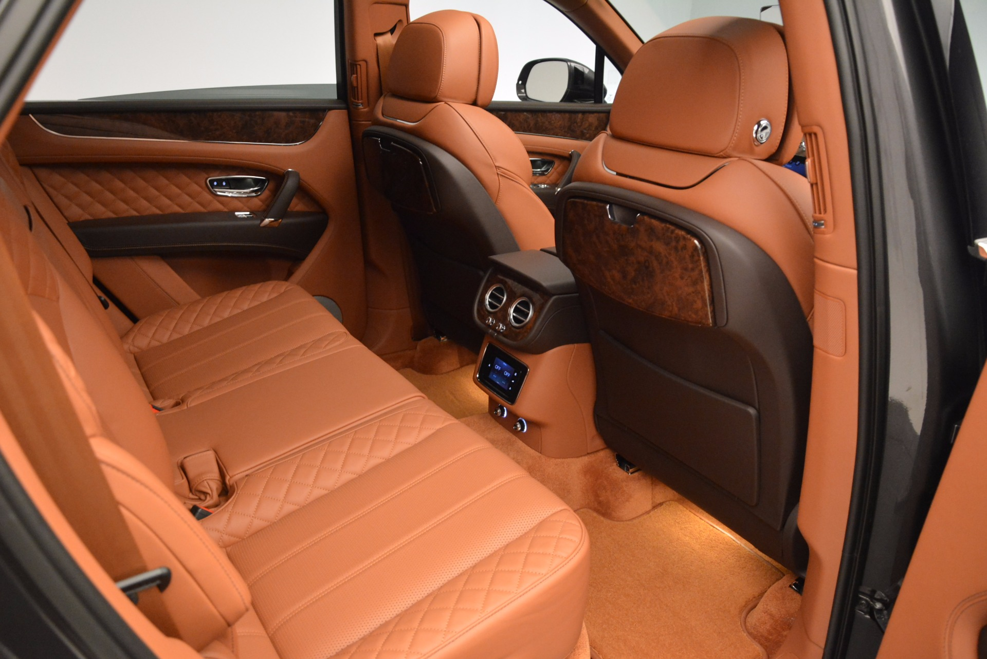 New 2017 Bentley Bentayga  For Sale In Greenwich, CT. Alfa Romeo of Greenwich, B1219 852_p48