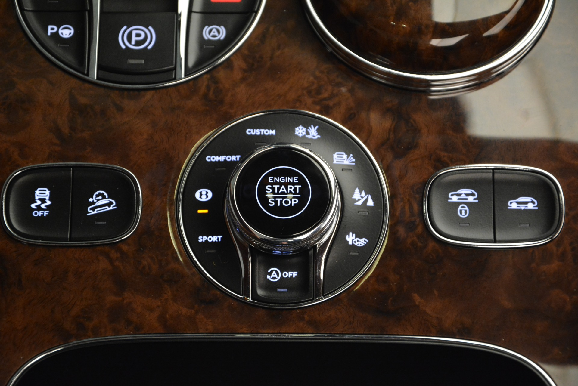 New 2017 Bentley Bentayga  For Sale In Greenwich, CT. Alfa Romeo of Greenwich, B1219 852_p54