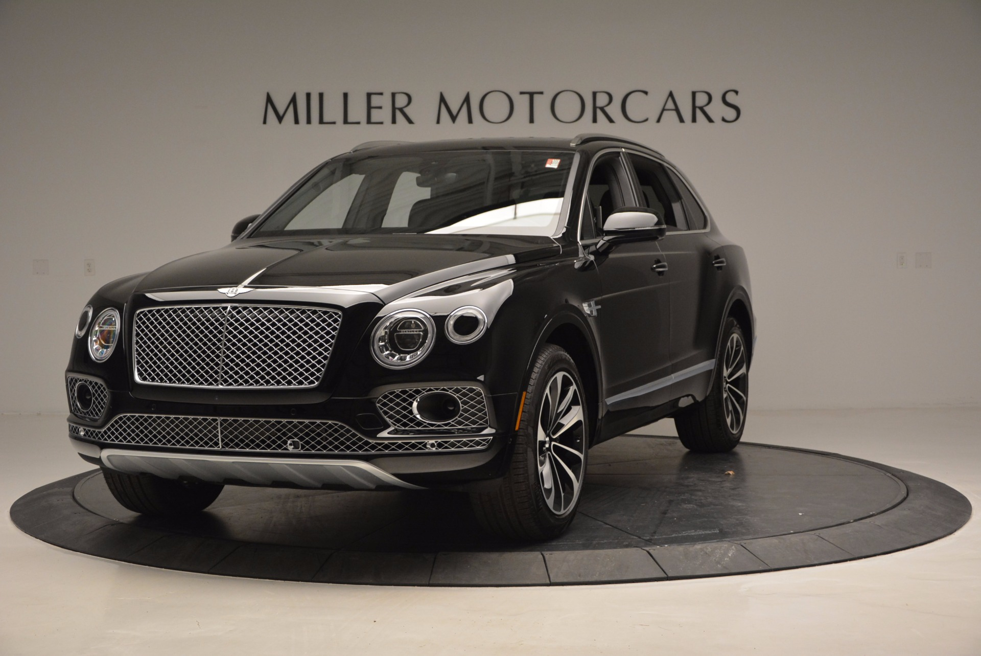 Used 2017 Bentley Bentayga  For Sale In Greenwich, CT. Alfa Romeo of Greenwich, B1210