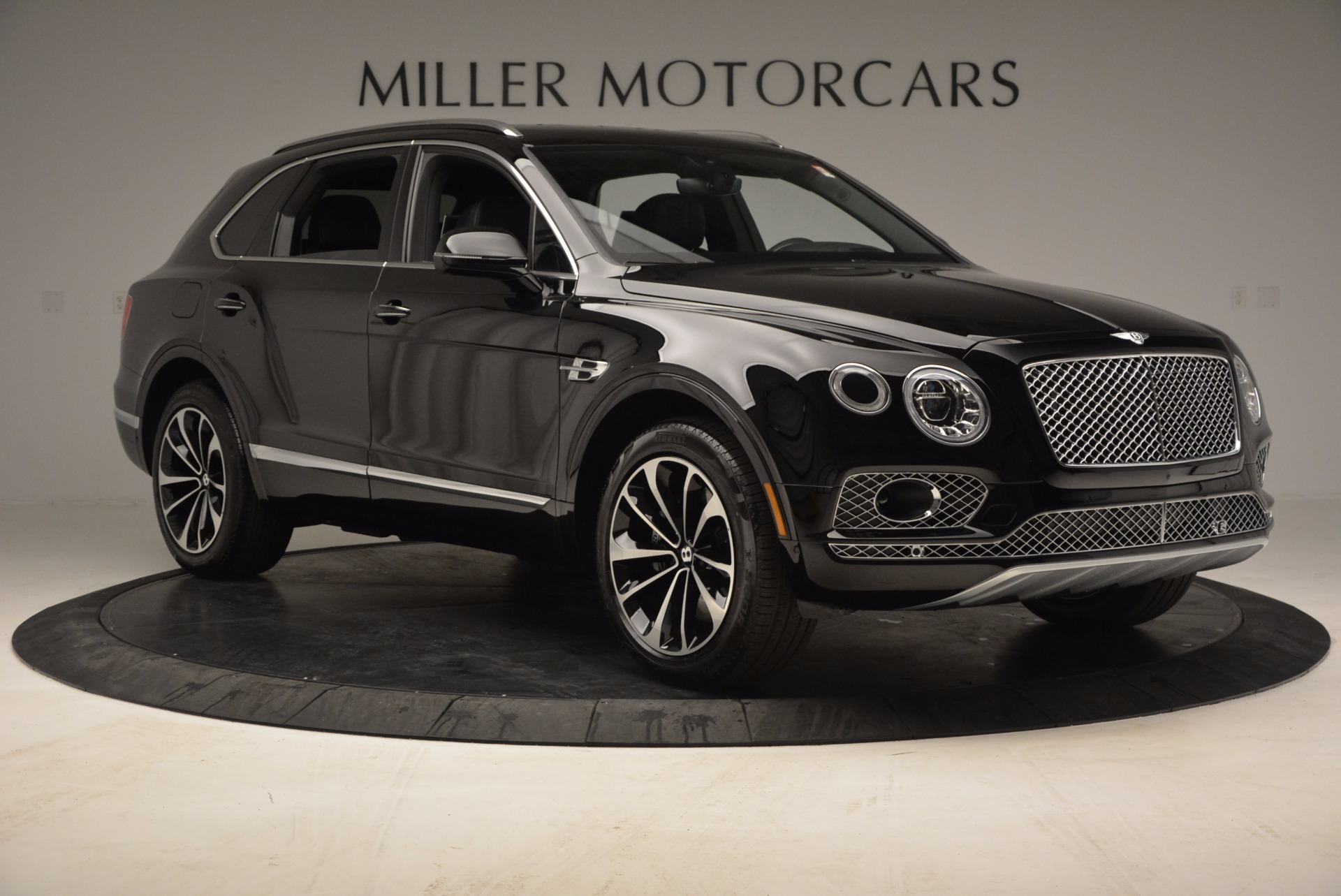 Used 2017 Bentley Bentayga  For Sale In Greenwich, CT. Alfa Romeo of Greenwich, B1210 853_p11