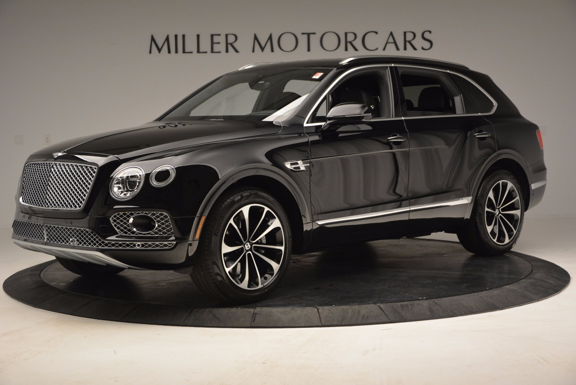 Used 2017 Bentley Bentayga  For Sale In Greenwich, CT. Alfa Romeo of Greenwich, B1210 853_p2