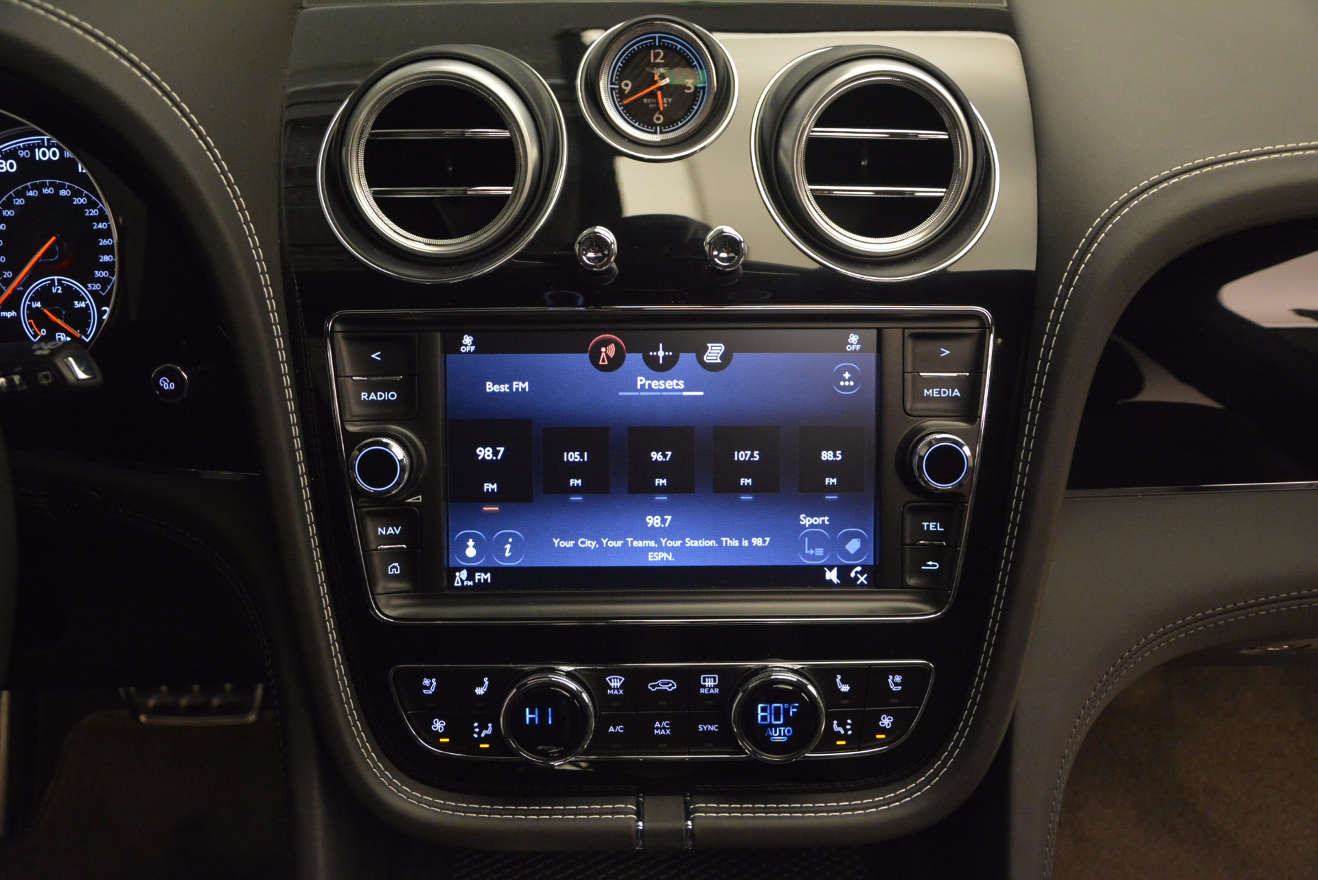 Used 2017 Bentley Bentayga  For Sale In Greenwich, CT. Alfa Romeo of Greenwich, B1210 853_p48