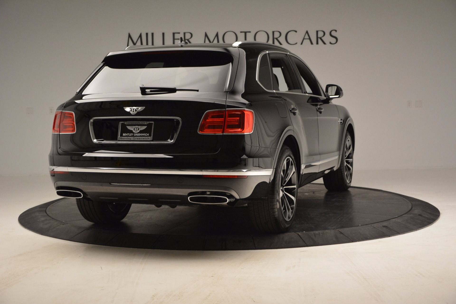 Used 2017 Bentley Bentayga  For Sale In Greenwich, CT. Alfa Romeo of Greenwich, B1210 853_p7