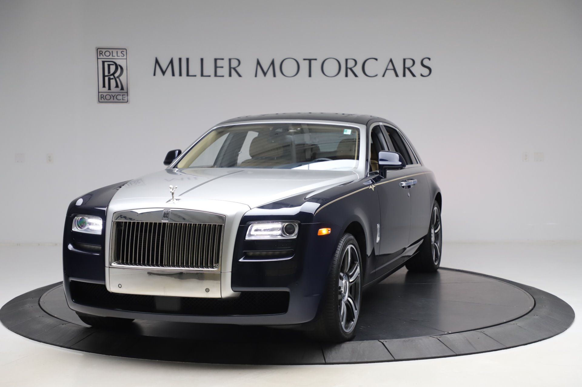 Used 2014 Rolls-Royce Ghost V-Spec For Sale In Greenwich, CT. Alfa Romeo of Greenwich, R389A 858_main