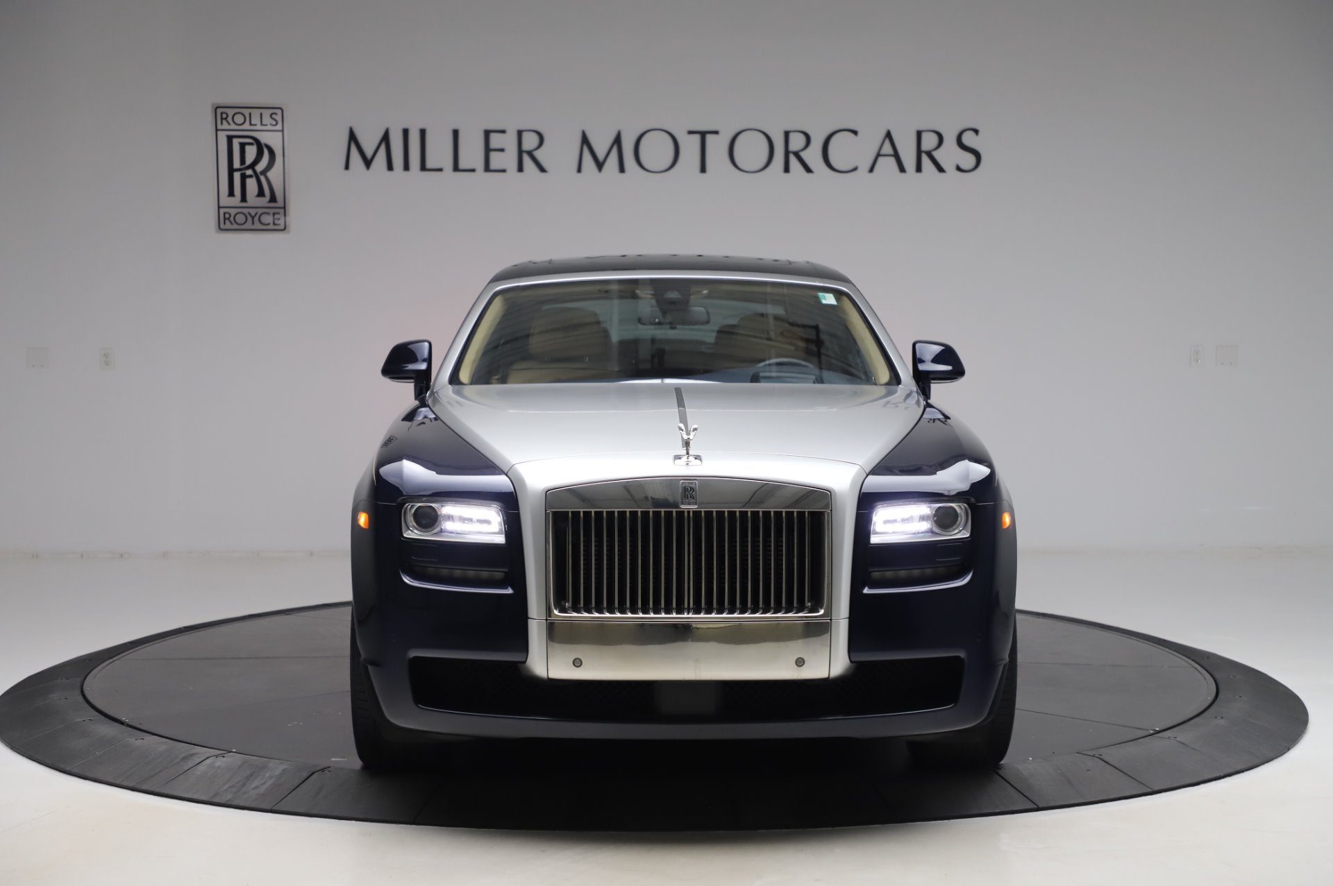 Used 2014 Rolls-Royce Ghost V-Spec For Sale In Greenwich, CT. Alfa Romeo of Greenwich, R389A 858_p2