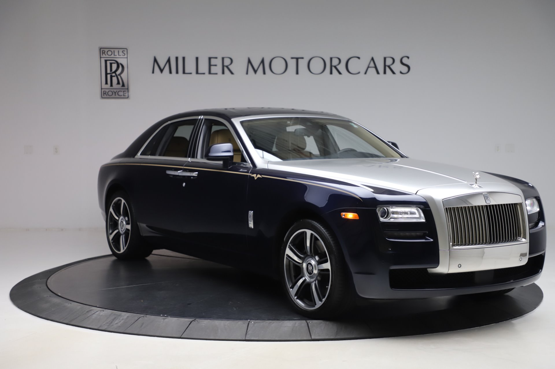 Used 2014 Rolls-Royce Ghost V-Spec For Sale In Greenwich, CT. Alfa Romeo of Greenwich, R389A 858_p8