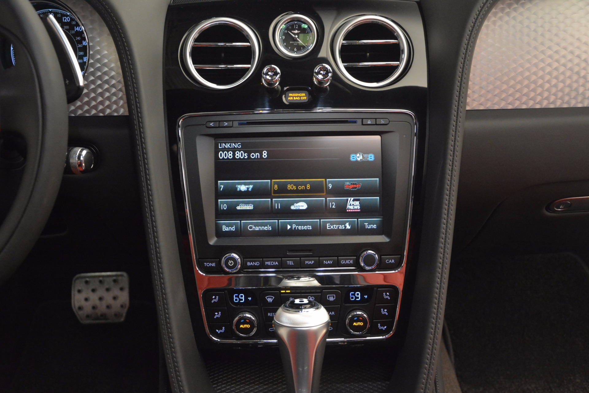 Used 2017 Bentley Flying Spur V8 S For Sale In Greenwich, CT. Alfa Romeo of Greenwich, B1232 875_p52