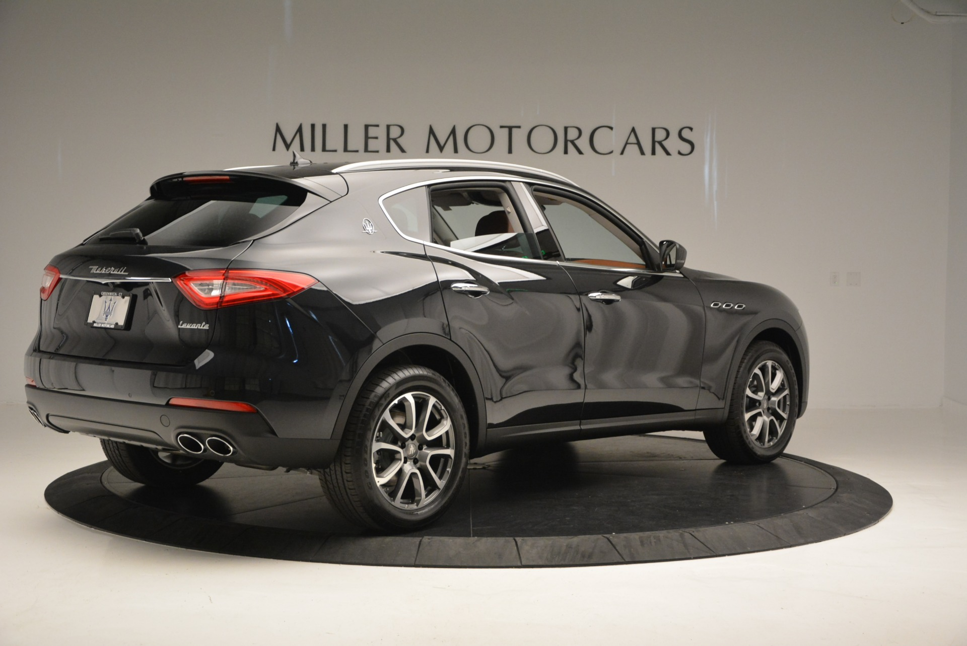 New 2017 Maserati Levante  For Sale In Greenwich, CT. Alfa Romeo of Greenwich, W399 876_p8