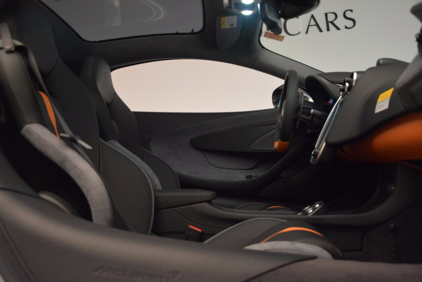 New 2017 McLaren 570GT  For Sale In Greenwich, CT. Alfa Romeo of Greenwich, MC288 882_p20