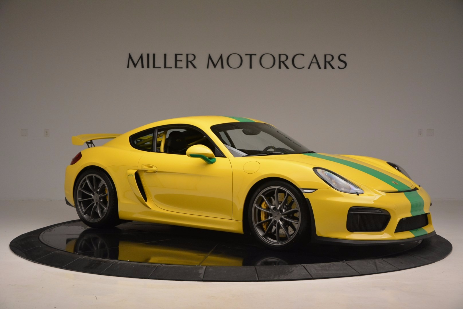 Used 2016 Porsche Cayman GT4 For Sale In Greenwich, CT. Alfa Romeo of Greenwich, 7142C 897_p10