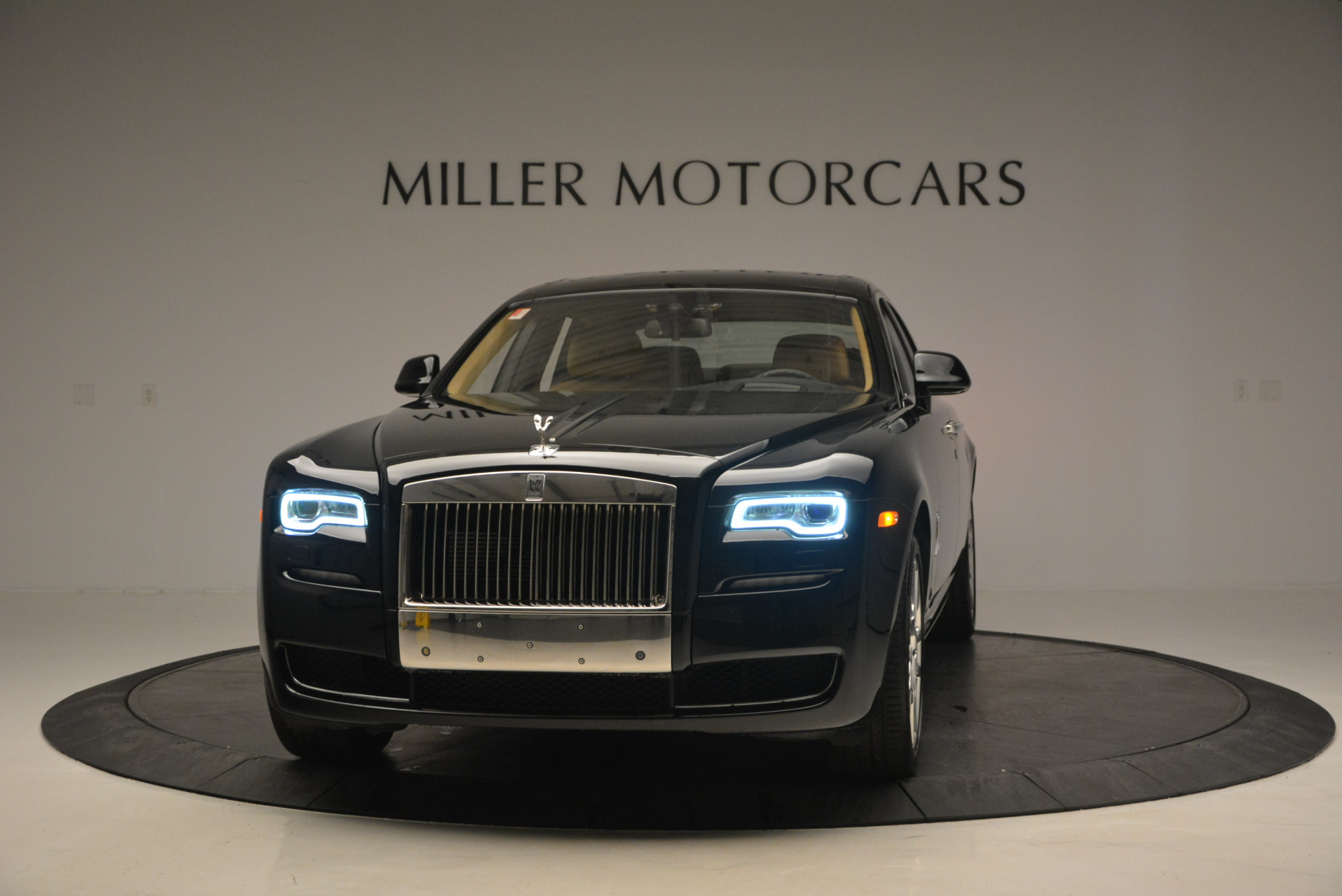 Used 2016 Rolls-Royce Ghost  For Sale In Greenwich, CT. Alfa Romeo of Greenwich, R399 898_main