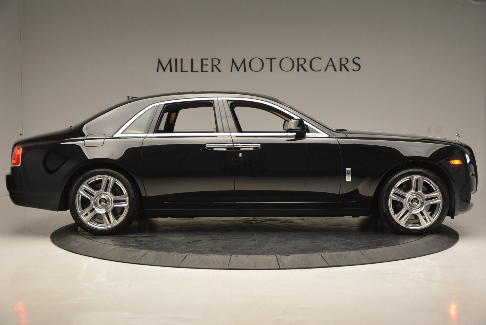 Used 2016 Rolls-Royce Ghost  For Sale In Greenwich, CT. Alfa Romeo of Greenwich, R399 898_p10