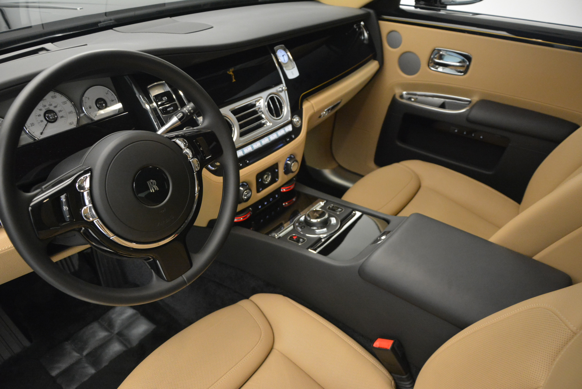 Used 2016 Rolls-Royce Ghost  For Sale In Greenwich, CT. Alfa Romeo of Greenwich, R399 898_p20