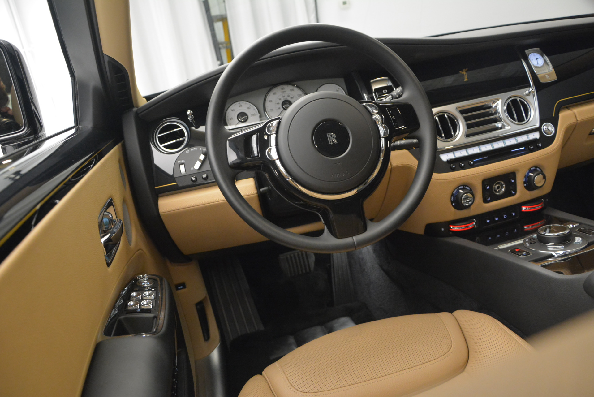 Used 2016 Rolls-Royce Ghost  For Sale In Greenwich, CT. Alfa Romeo of Greenwich, R399 898_p21