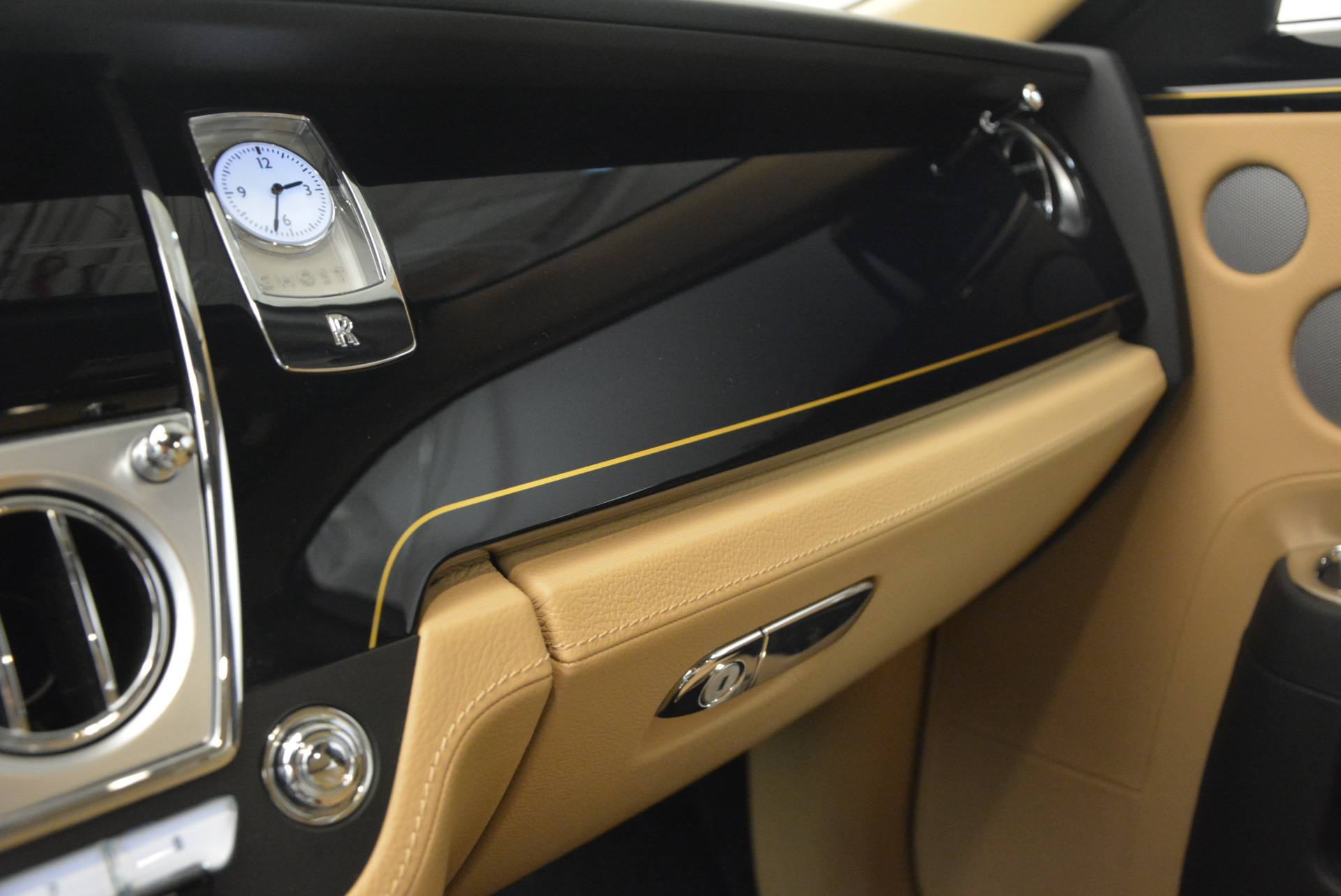 Used 2016 Rolls-Royce Ghost  For Sale In Greenwich, CT. Alfa Romeo of Greenwich, R399 898_p25
