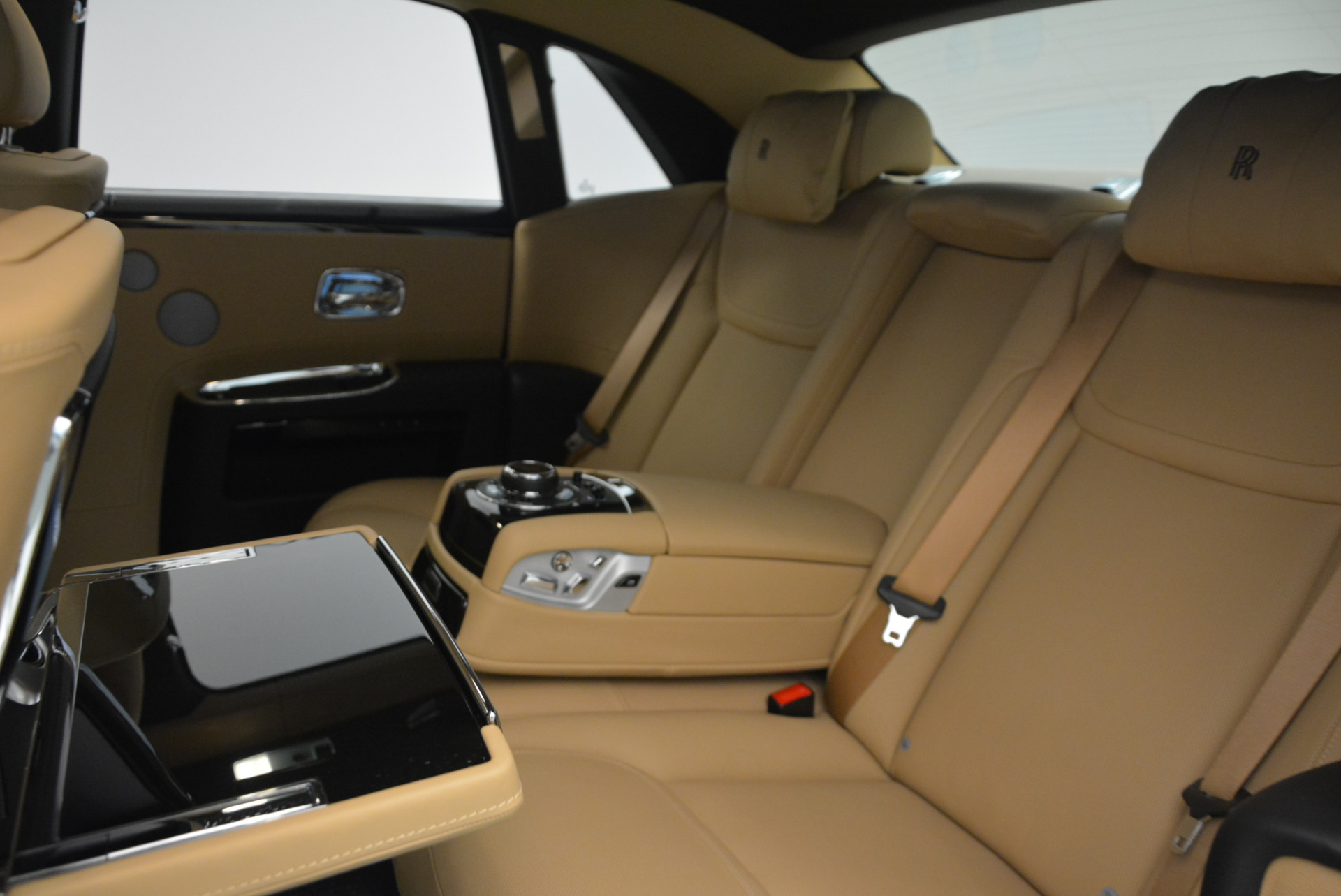 Used 2016 Rolls-Royce Ghost  For Sale In Greenwich, CT. Alfa Romeo of Greenwich, R399 898_p29