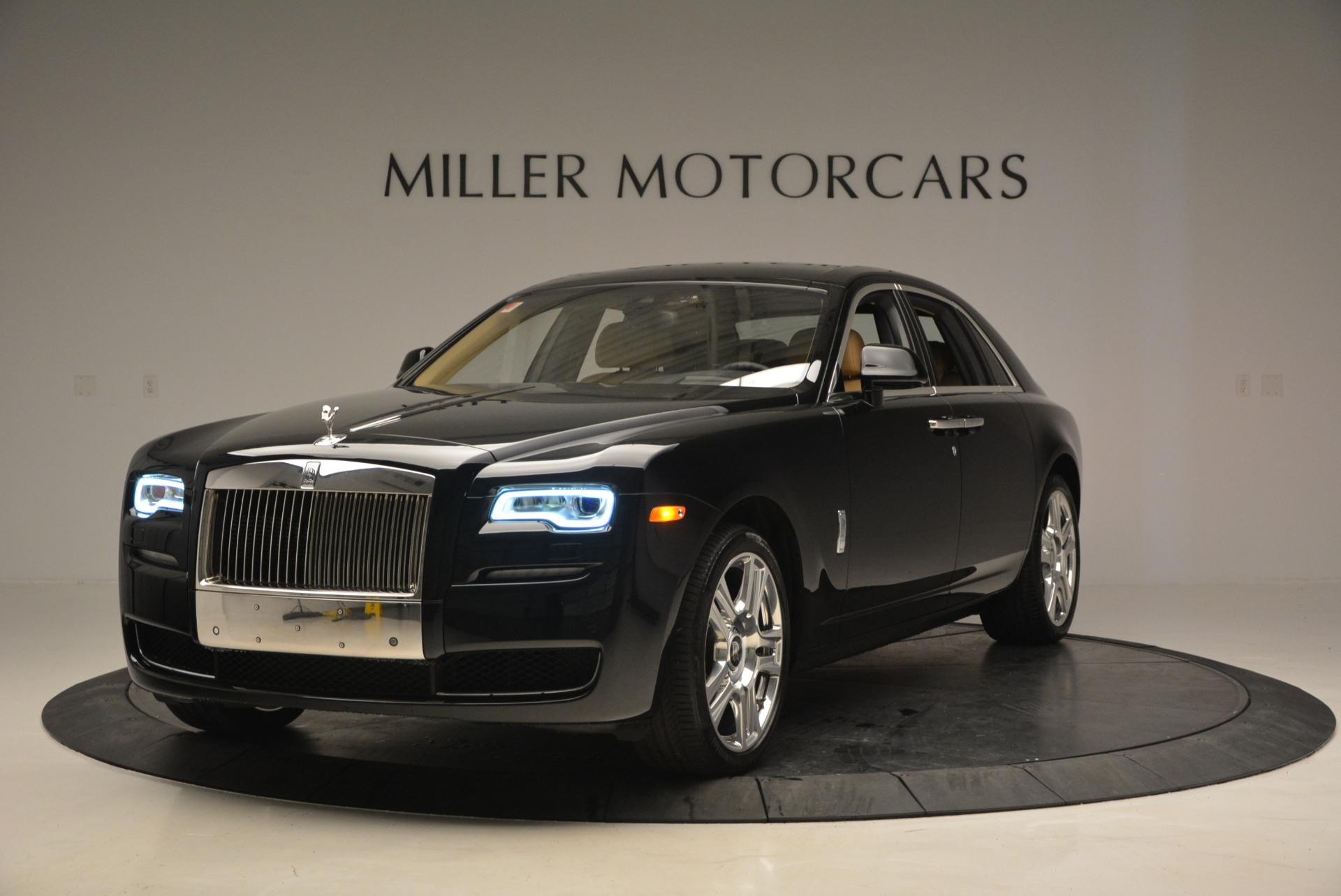 Used 2016 Rolls-Royce Ghost  For Sale In Greenwich, CT. Alfa Romeo of Greenwich, R399 898_p2