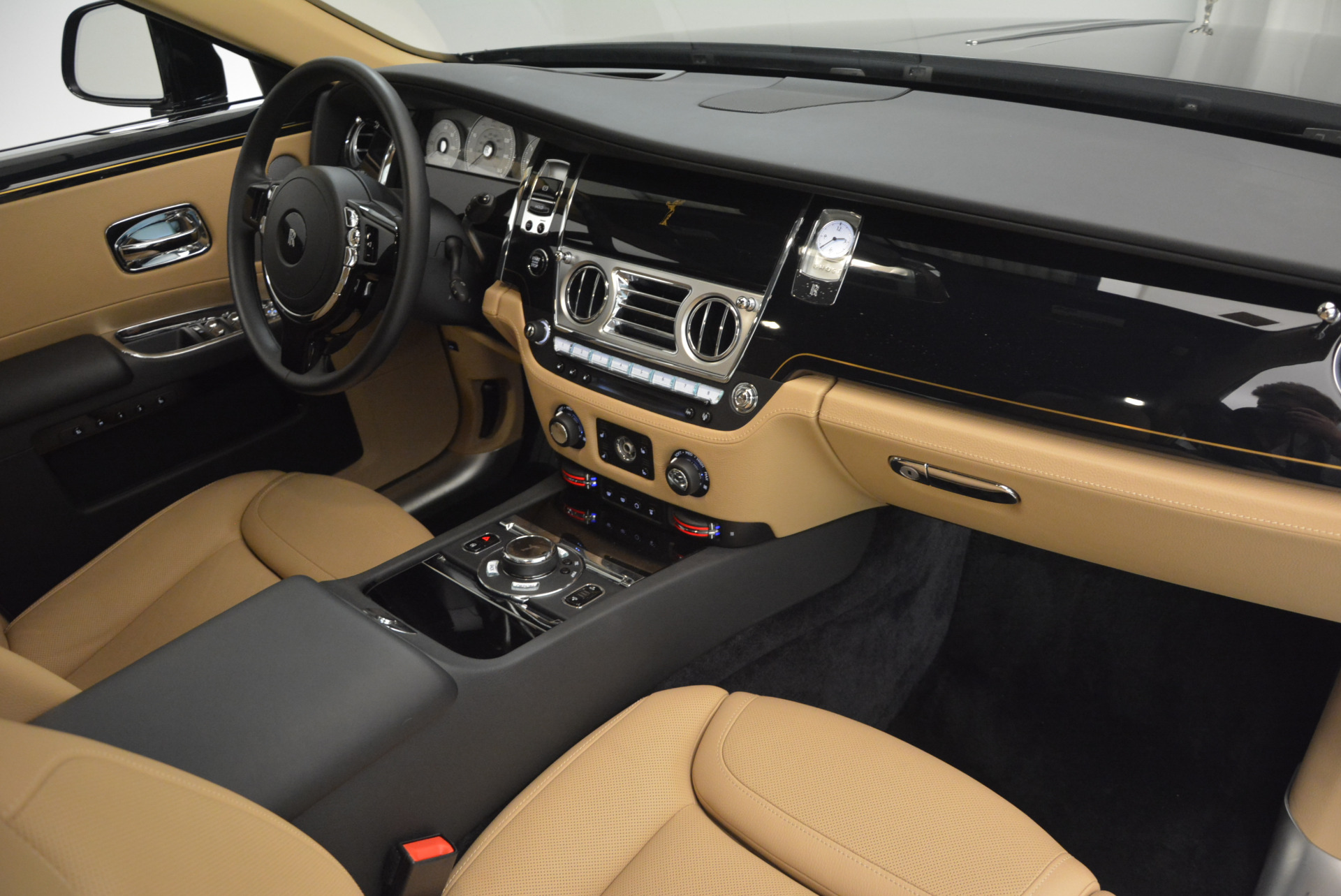 Used 2016 Rolls-Royce Ghost  For Sale In Greenwich, CT. Alfa Romeo of Greenwich, R399 898_p36