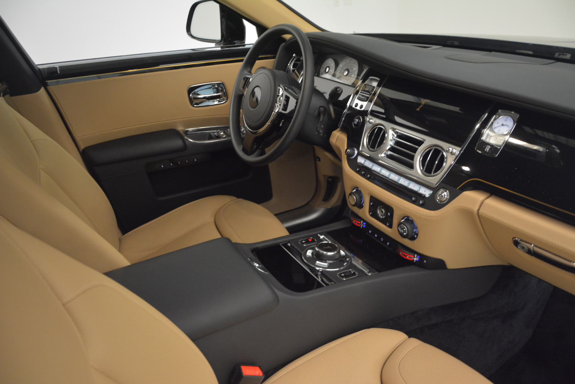 Used 2016 Rolls-Royce Ghost  For Sale In Greenwich, CT. Alfa Romeo of Greenwich, R399 898_p37