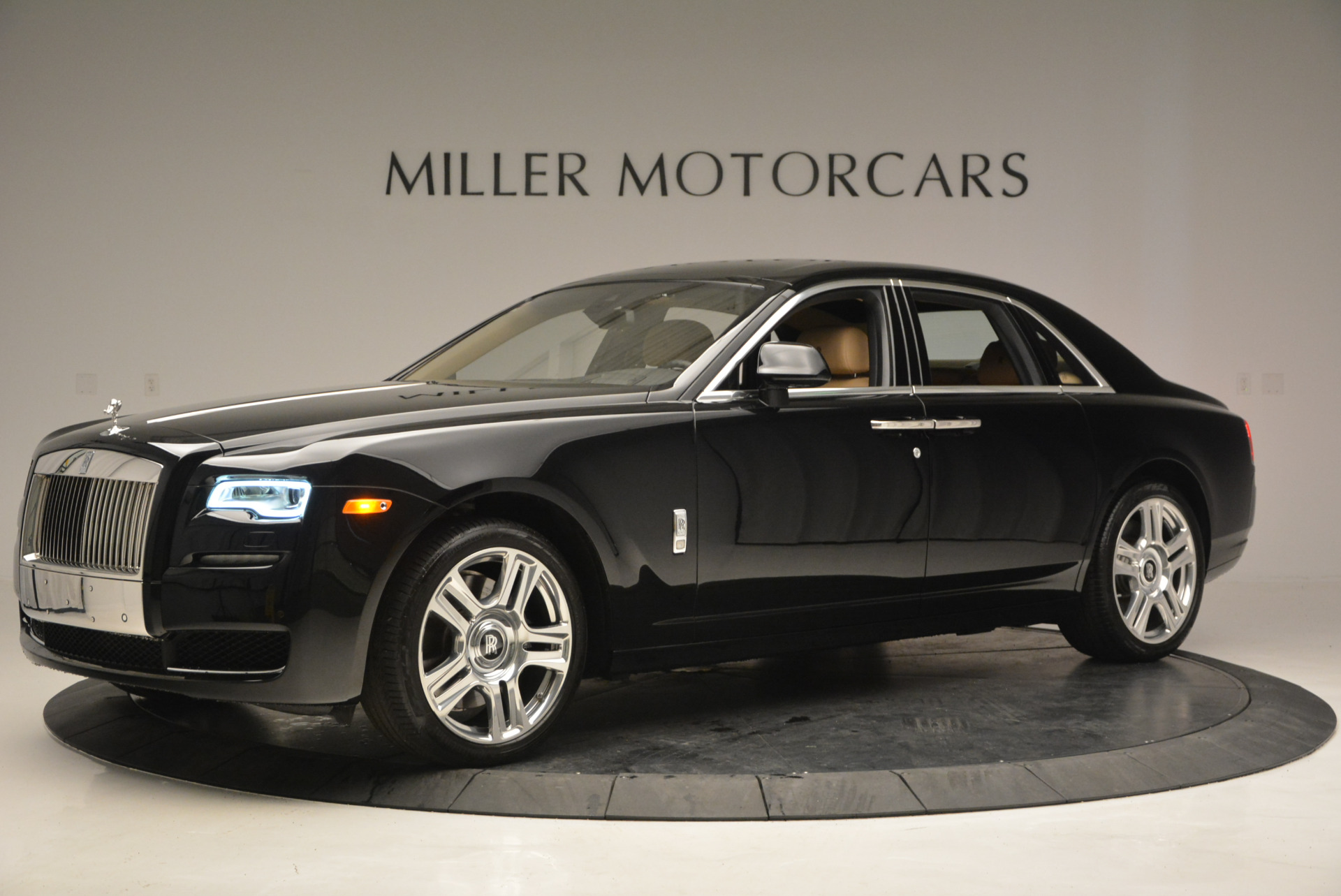 Used 2016 Rolls-Royce Ghost  For Sale In Greenwich, CT. Alfa Romeo of Greenwich, R399 898_p3