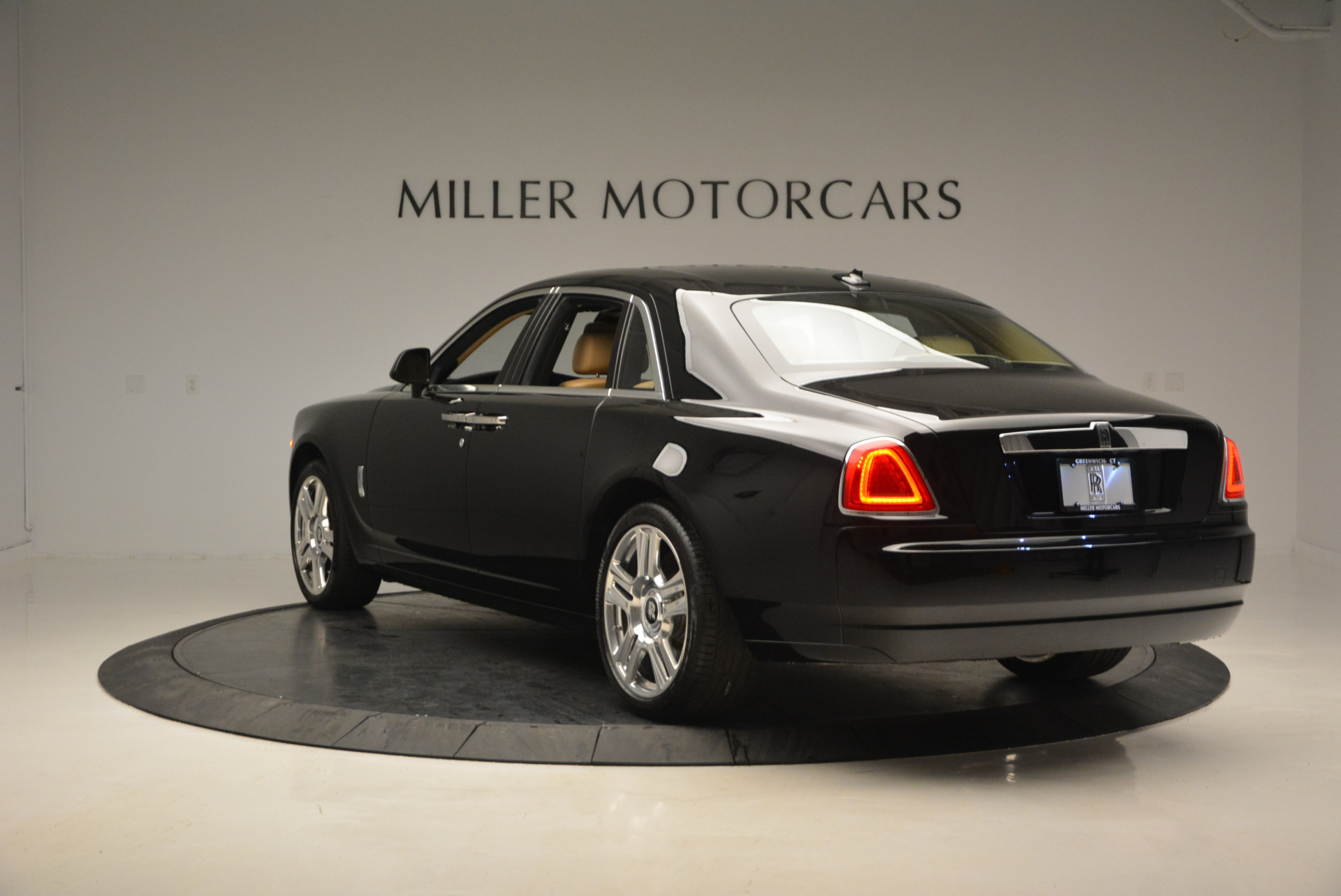Used 2016 Rolls-Royce Ghost  For Sale In Greenwich, CT. Alfa Romeo of Greenwich, R399 898_p6