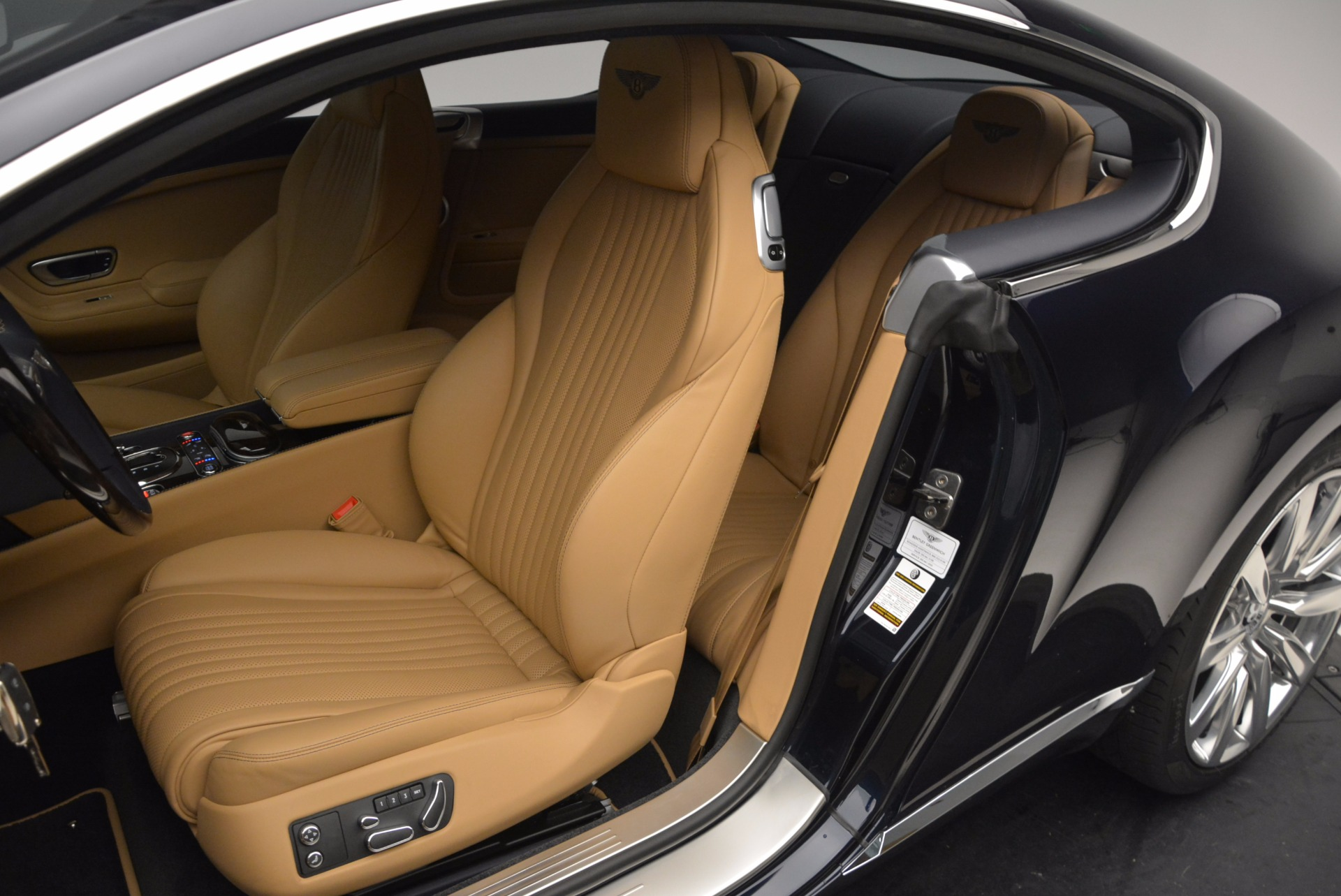 New 2017 Bentley Continental GT W12 For Sale In Greenwich, CT. Alfa Romeo of Greenwich, B1237 904_p21