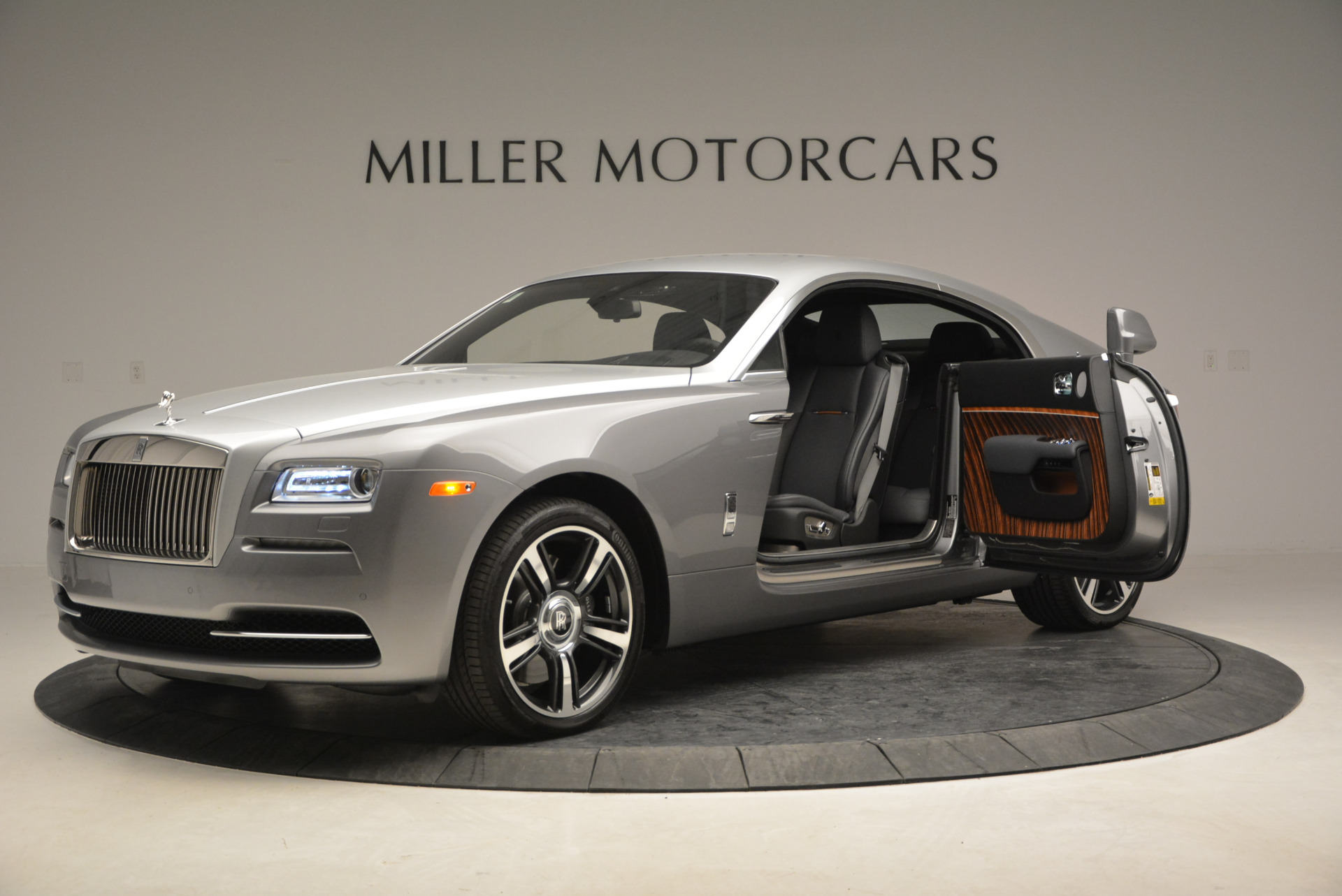 Used 2015 Rolls-Royce Wraith  For Sale In Greenwich, CT. Alfa Romeo of Greenwich, B1217A 906_p16