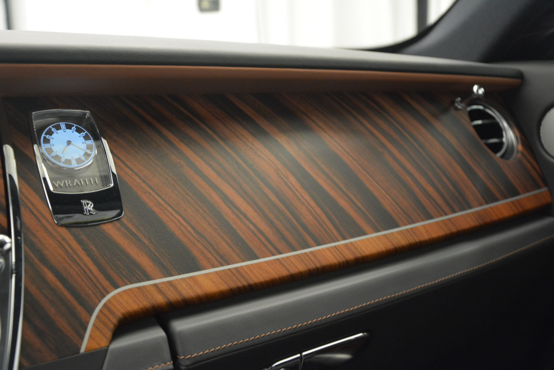 Used 2015 Rolls-Royce Wraith  For Sale In Greenwich, CT. Alfa Romeo of Greenwich, B1217A 906_p23